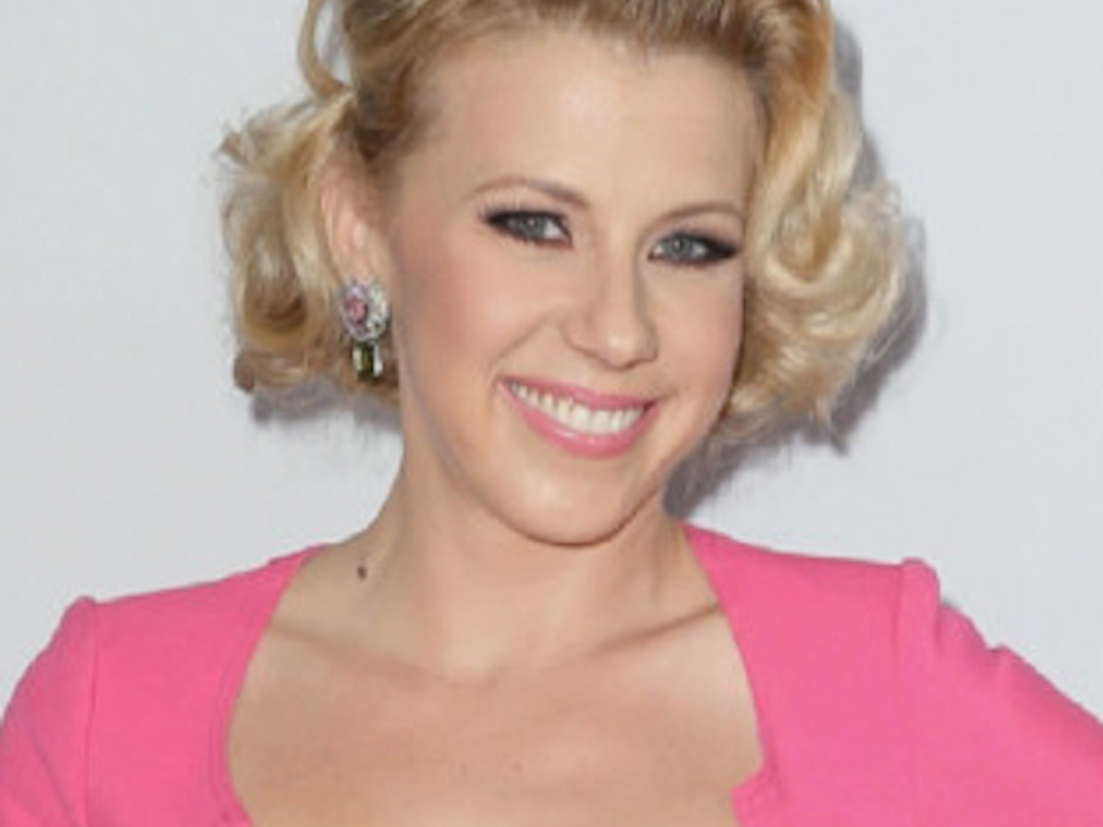 Main image for event titled 10th Annual Experience, Strength and Hope Awards Honoring TV Star Jodie Sweetin