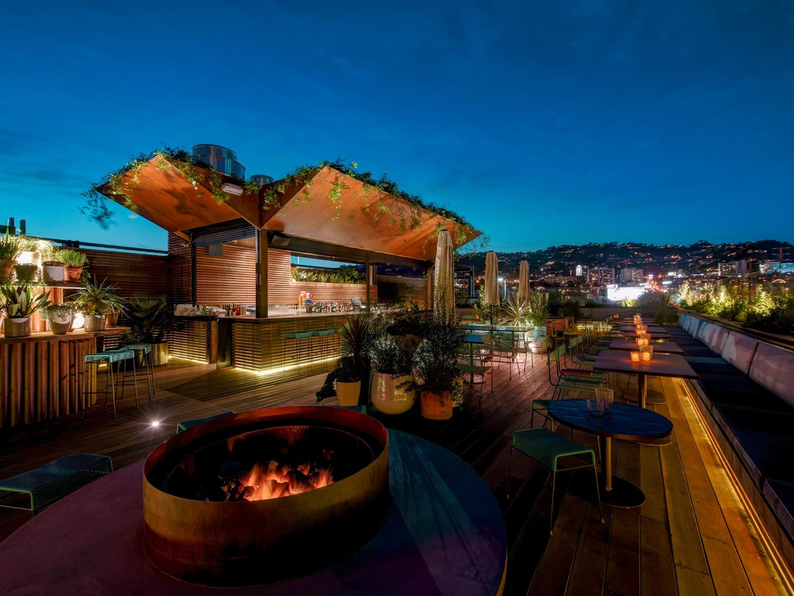 E.P. & L.P. Rooftop Bar