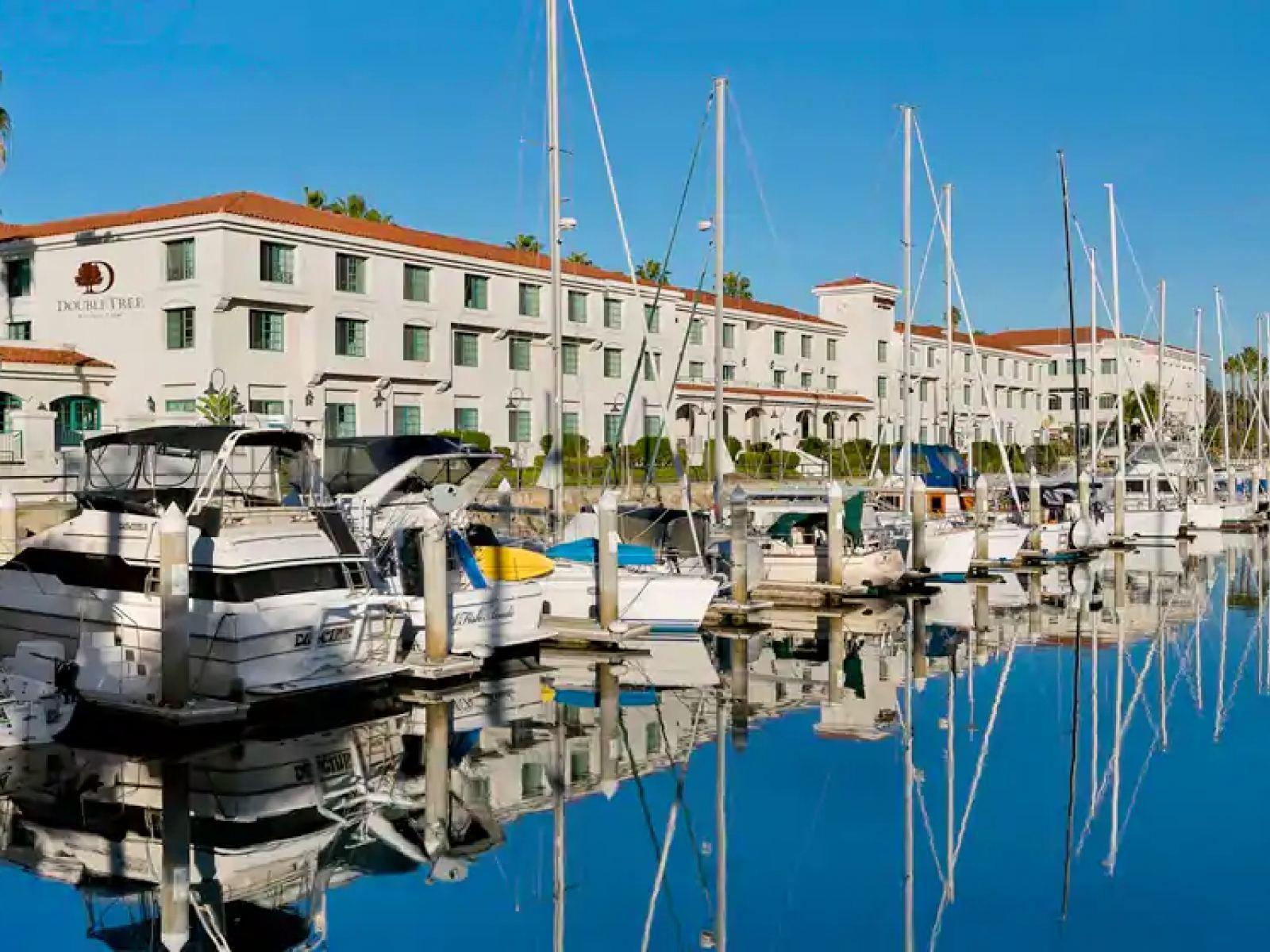 DoubleTree by Hilton San Pedro boats