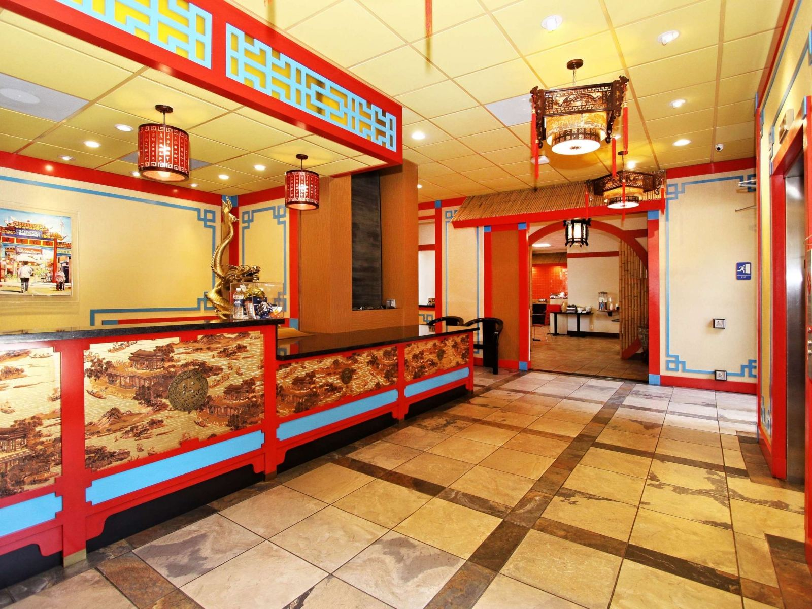 Kitsch Cool Convenience Abounds At Best Western Plus