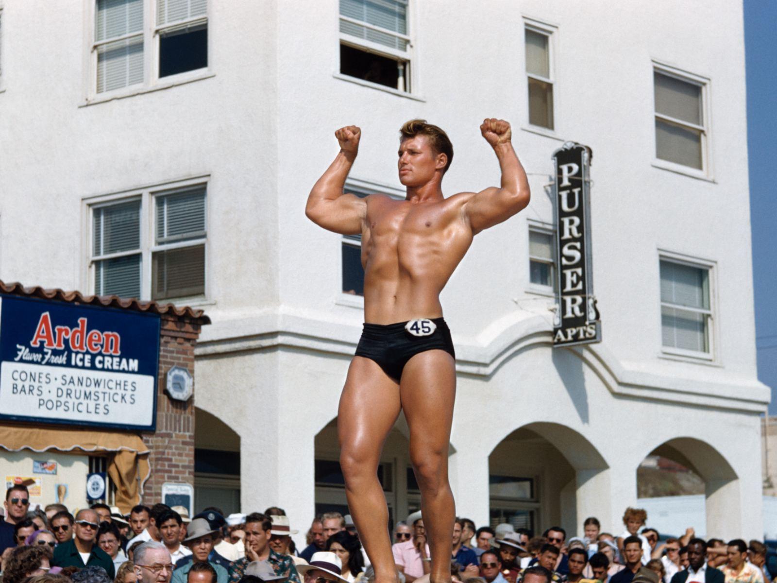 Bob Mizer photograph of a body builder in Santa Monica, circa 1949