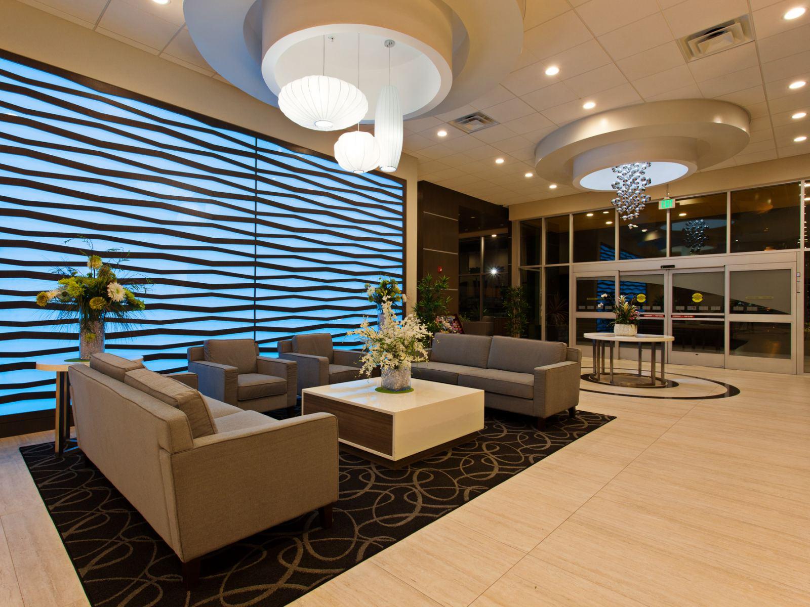 Holiday Inn Express North Hollywood lobby