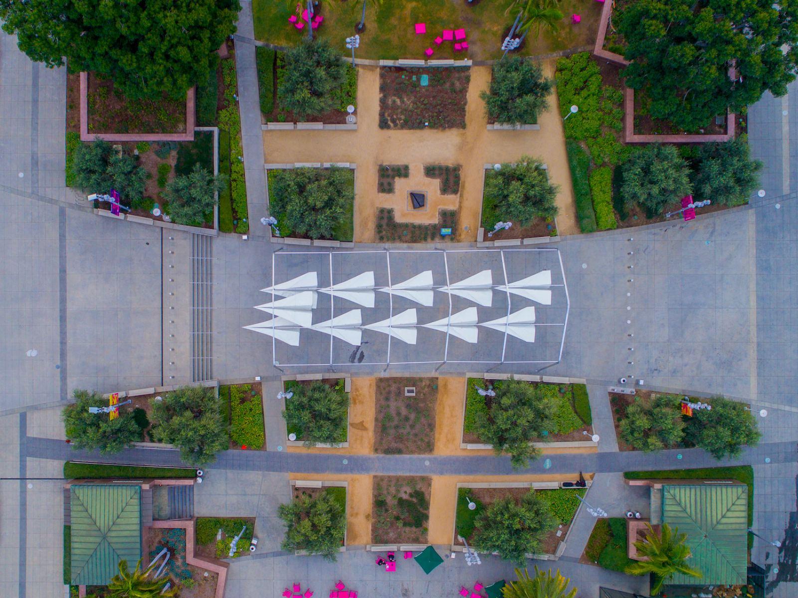 Chen Ming, 200 feet above Grand Park, 2016. Inkjet digital print. Courtesy of the artist