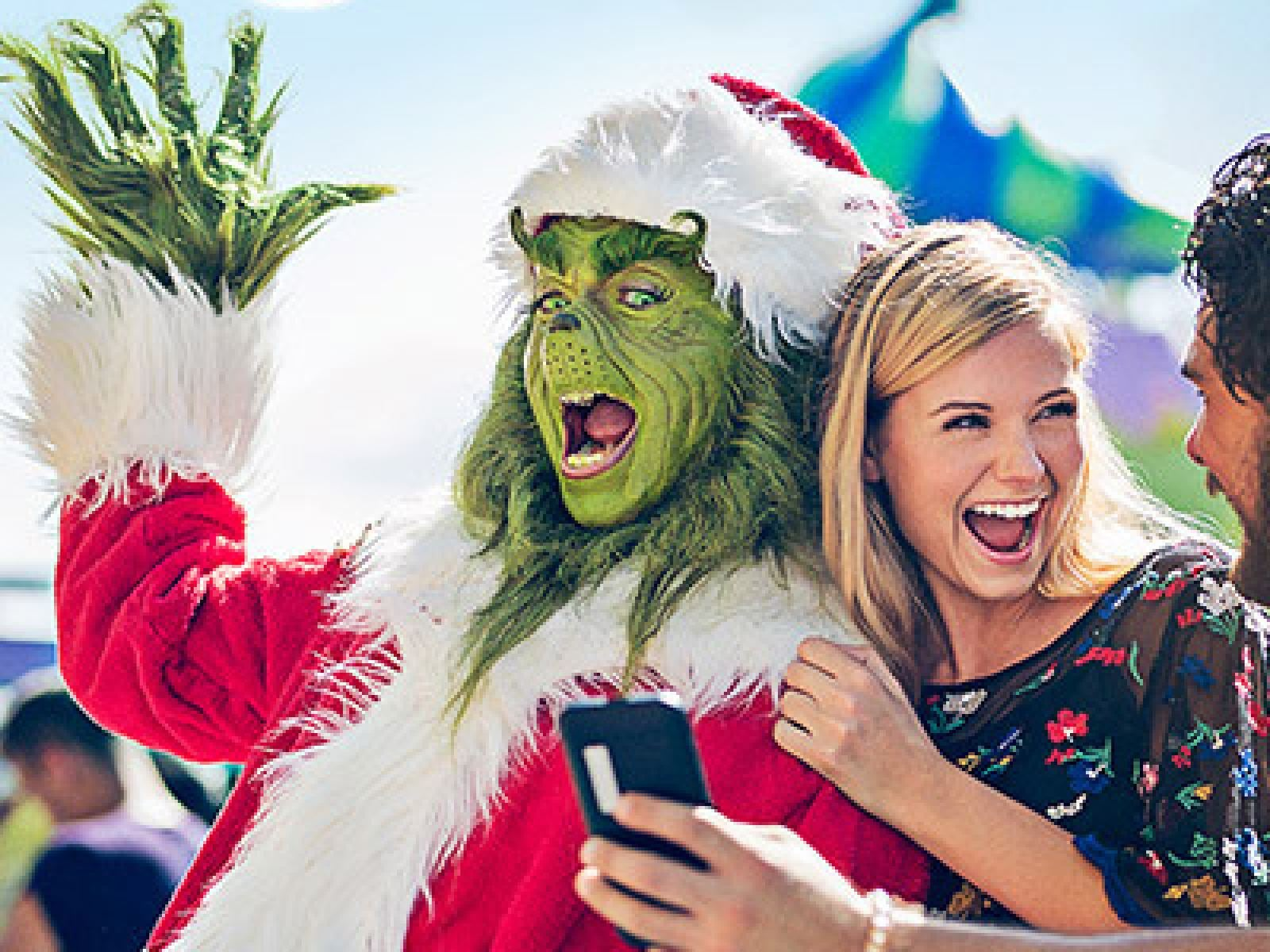Main image for event titled Create New Holiday Traditions at Universal Studios Hollywood Nov. 28 – Dec. 29