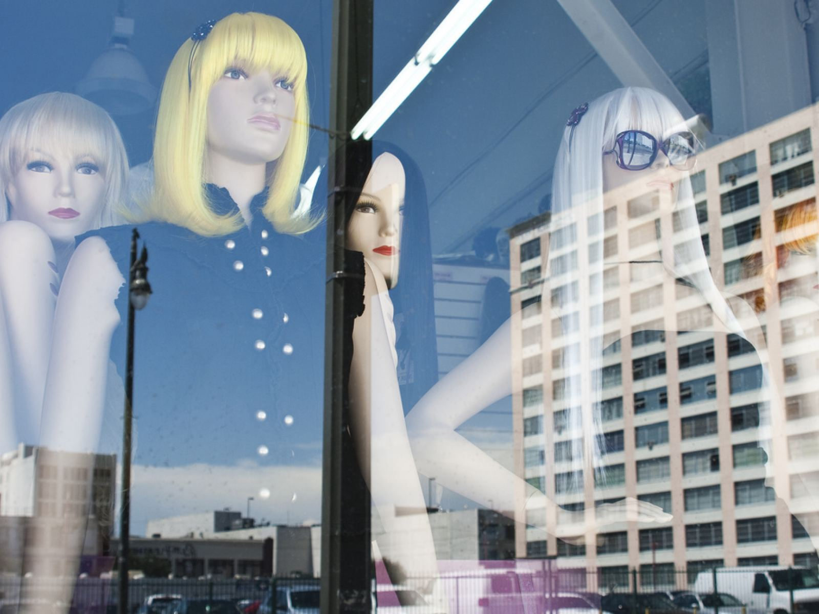 Main image for article titled Compras em Los Angeles: Robertson Boulevard