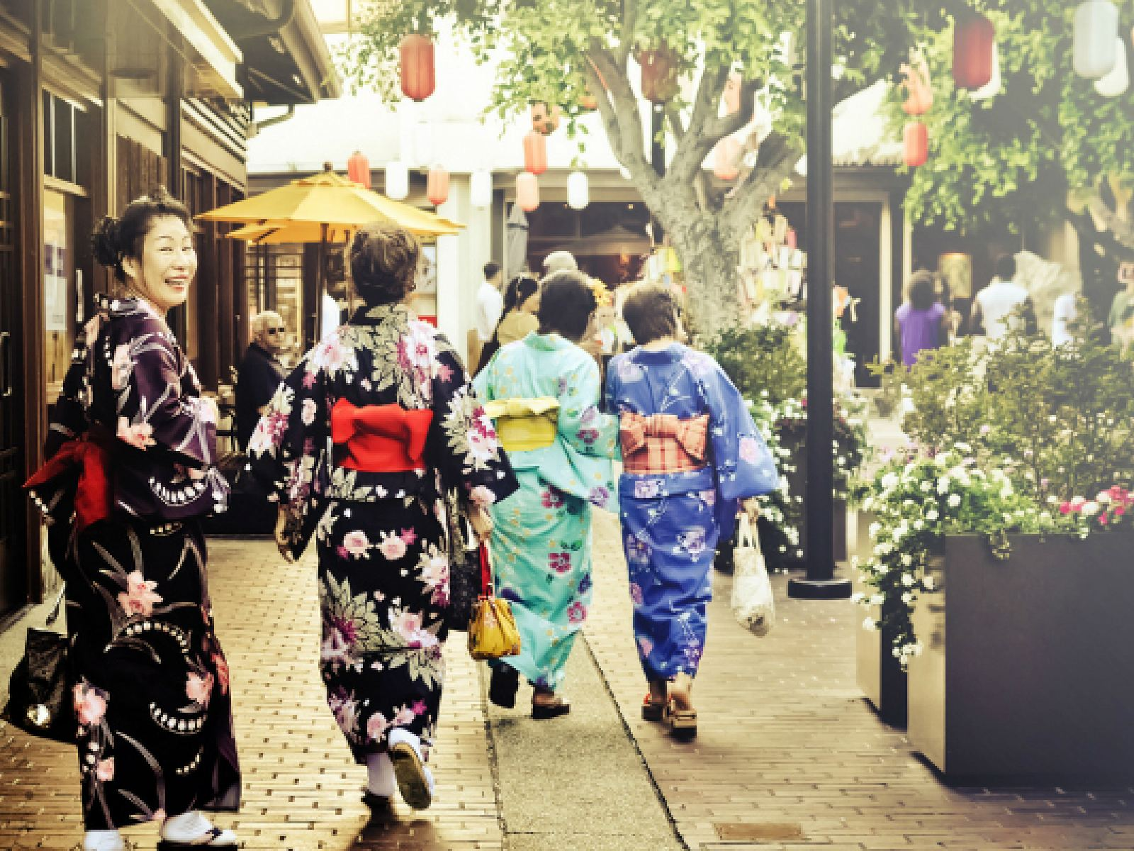 The Guide to Hotels Near Little Tokyo  93ddf16a1ab7b