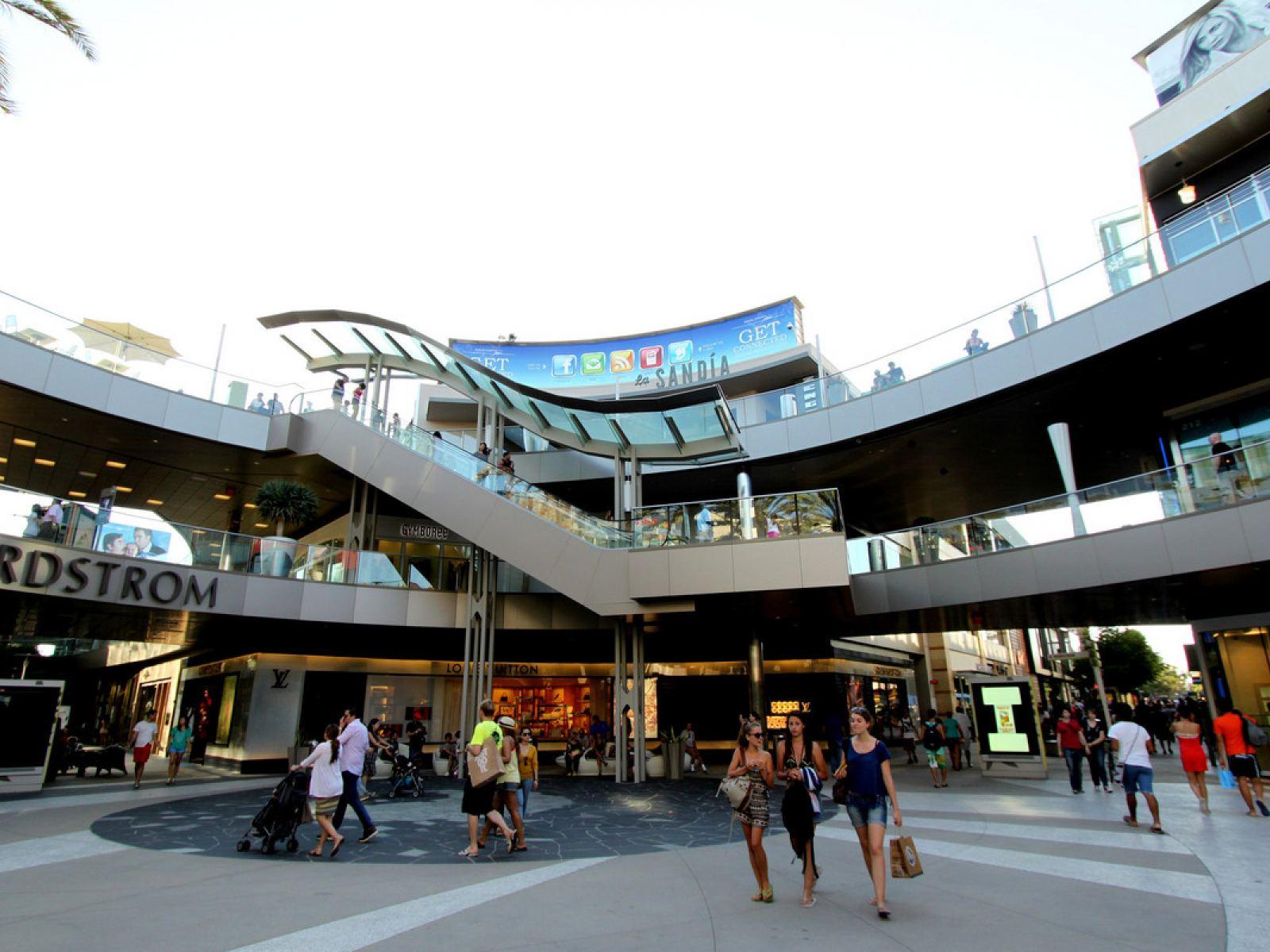 Main image for article titled Compras em Los Angeles: Santa Mônica Place