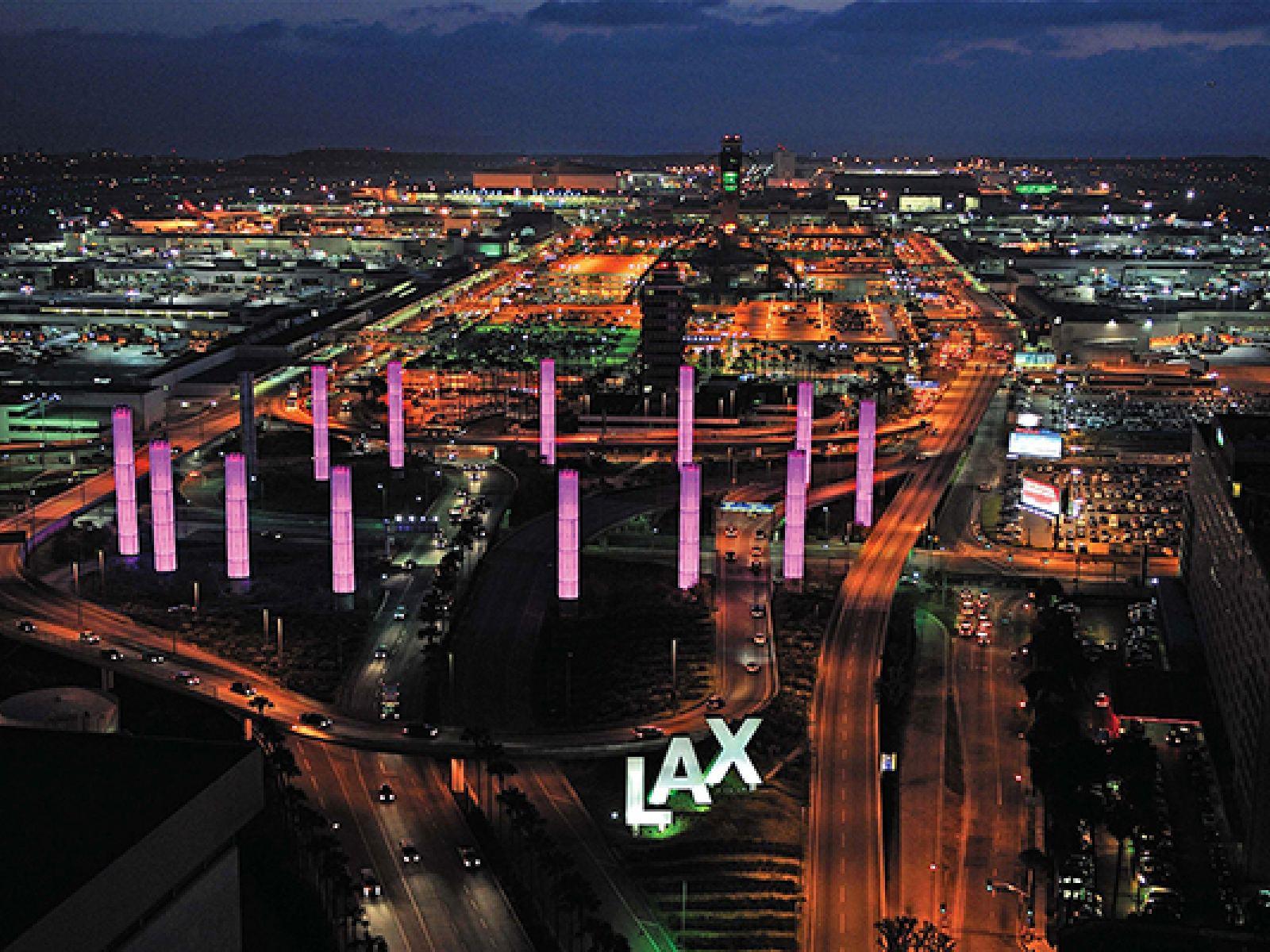 Main image for article titled Conselhos úteis para passageiros do aeroporto internacional de Los Angeles/ LAX