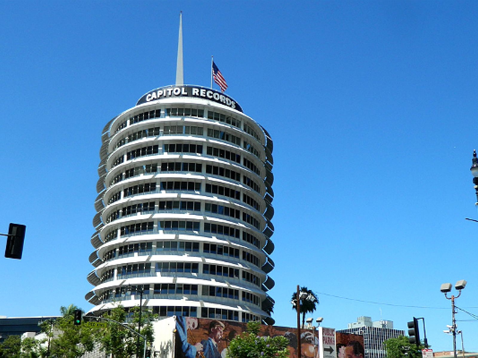 Capitol Records Building | Photo courtesy of jeff_soffer, Flickr