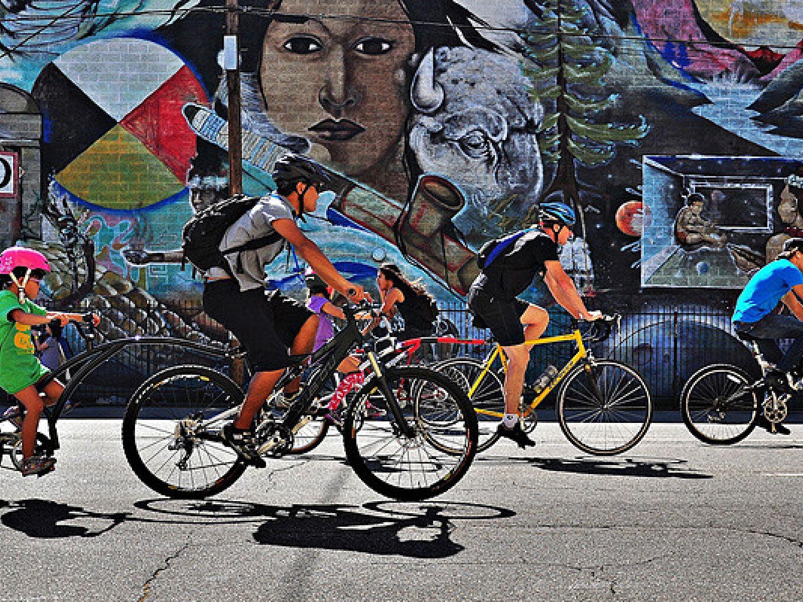 Main image for article titled Faire du vélo à Los Angeles