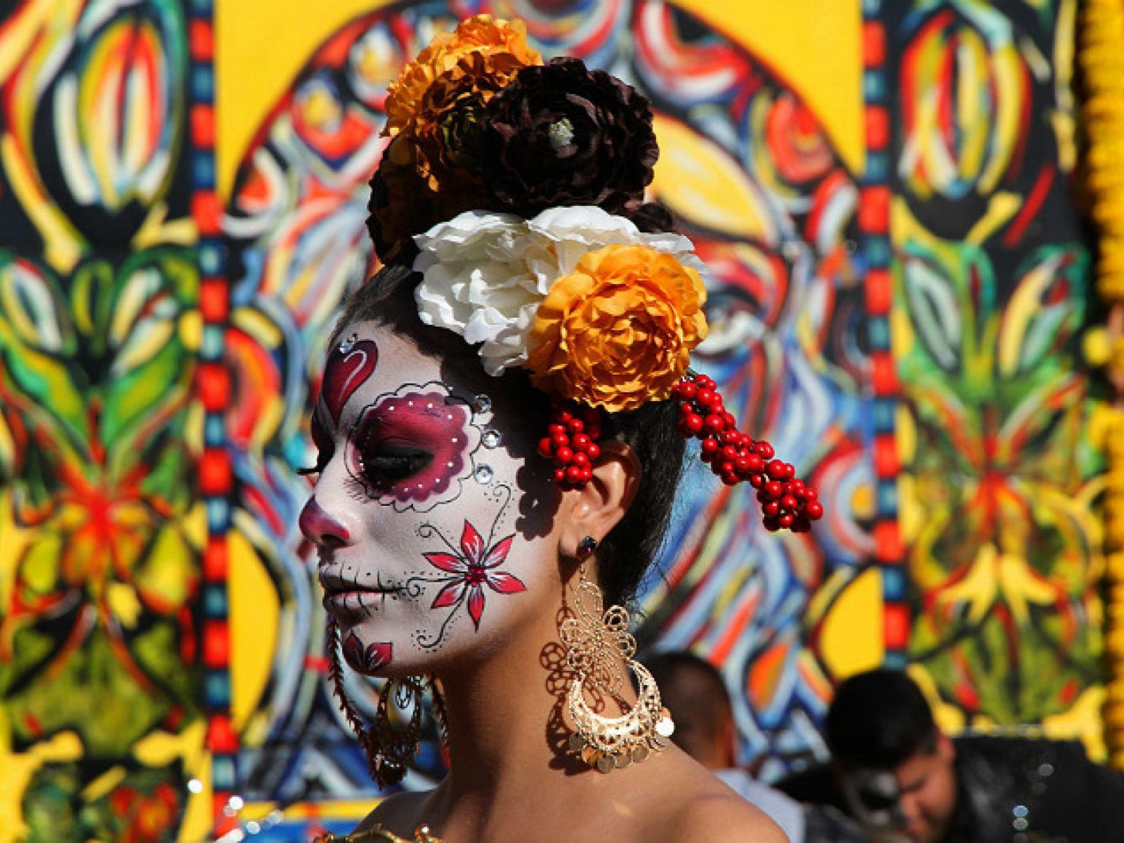 Main image for guide titled Celebra el Día de los Muertos en Los Ángeles, 2018