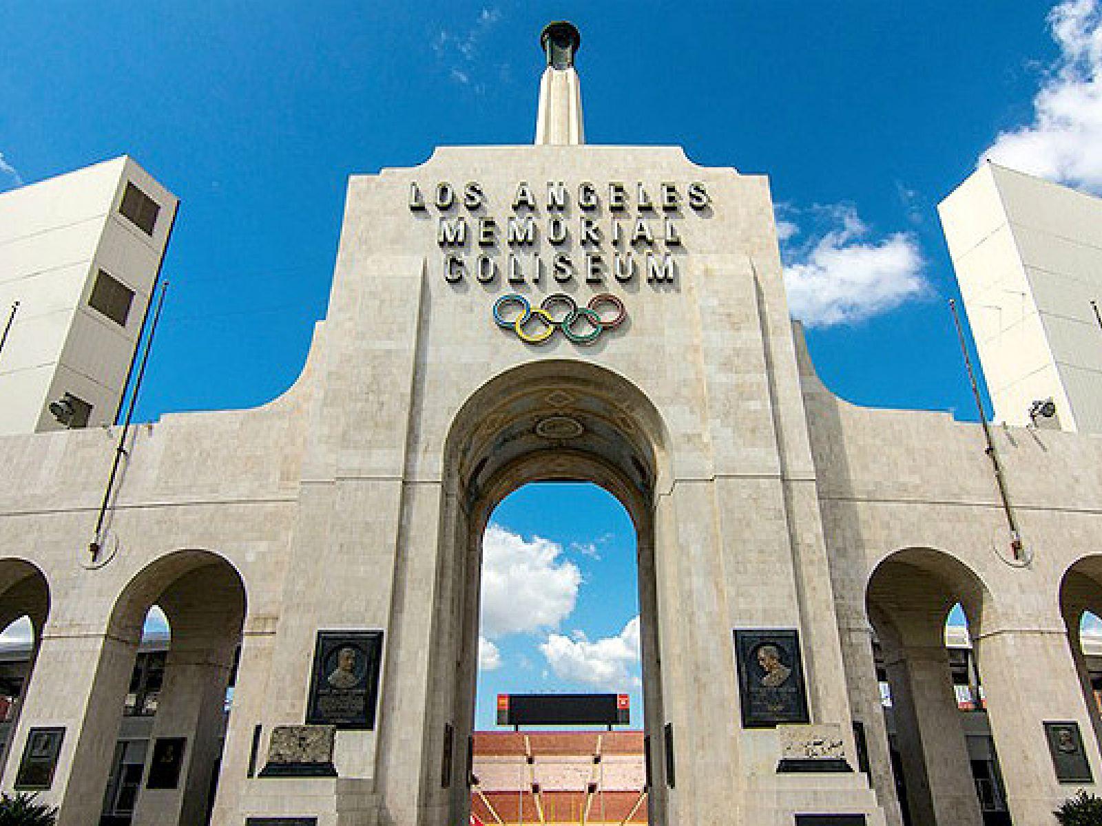 Main image for article titled Los Mejores Momentos Deportivos en la Historia de Los Ángeles Memorial Coliseum