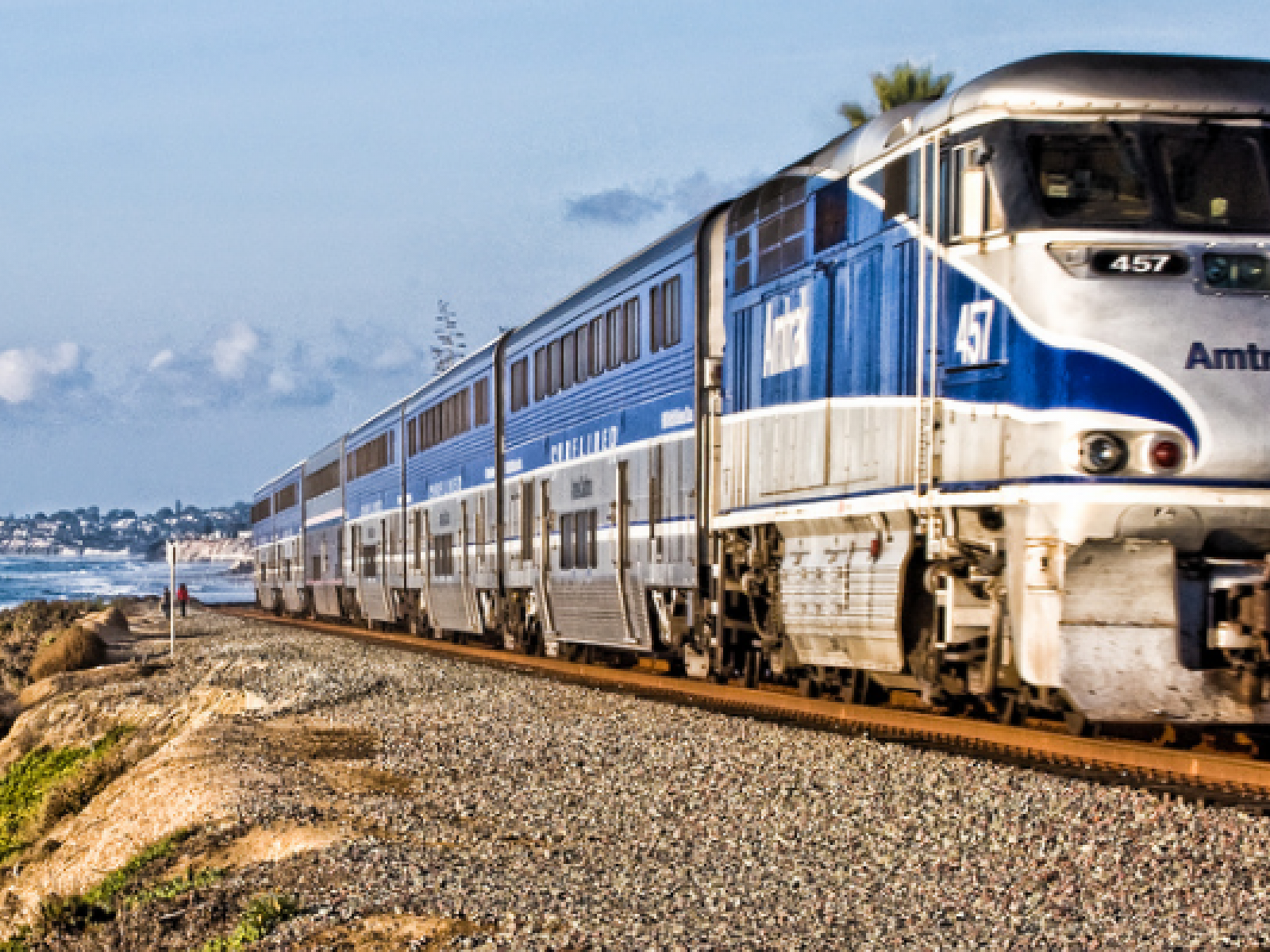 Los Angeles By Rail: Travel On Amtrak to L A  | Discover Los Angeles