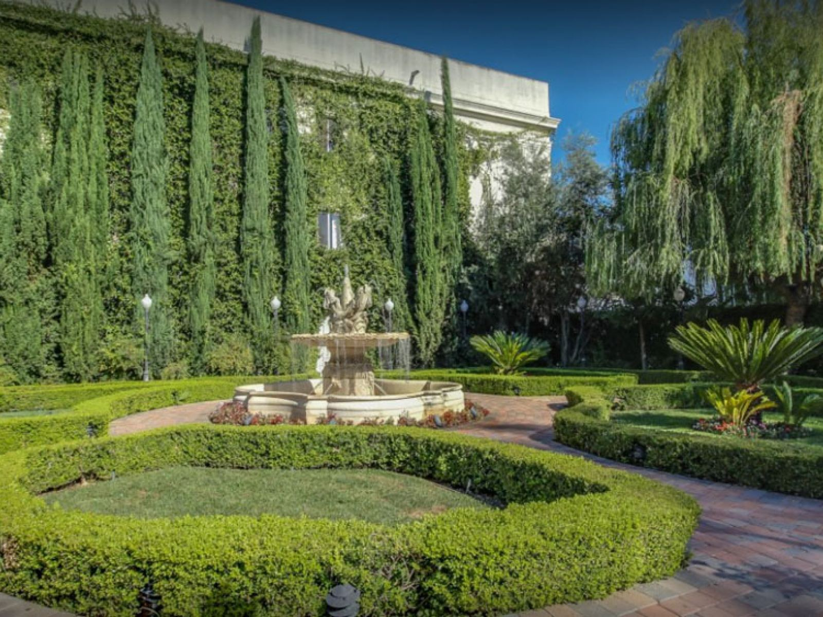 day photo of a garden event space los angeles