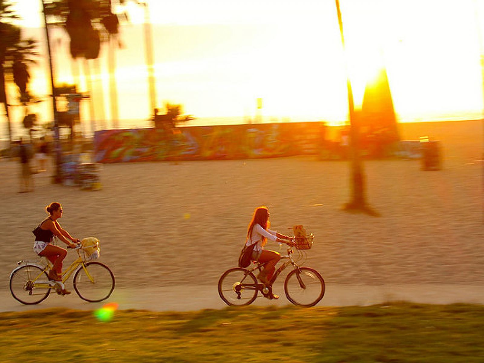 Main image for article titled Las Playas de Los Ángeles en Bicicleta, Parte 1: de la Playa Will Rogers a Marina del Rey