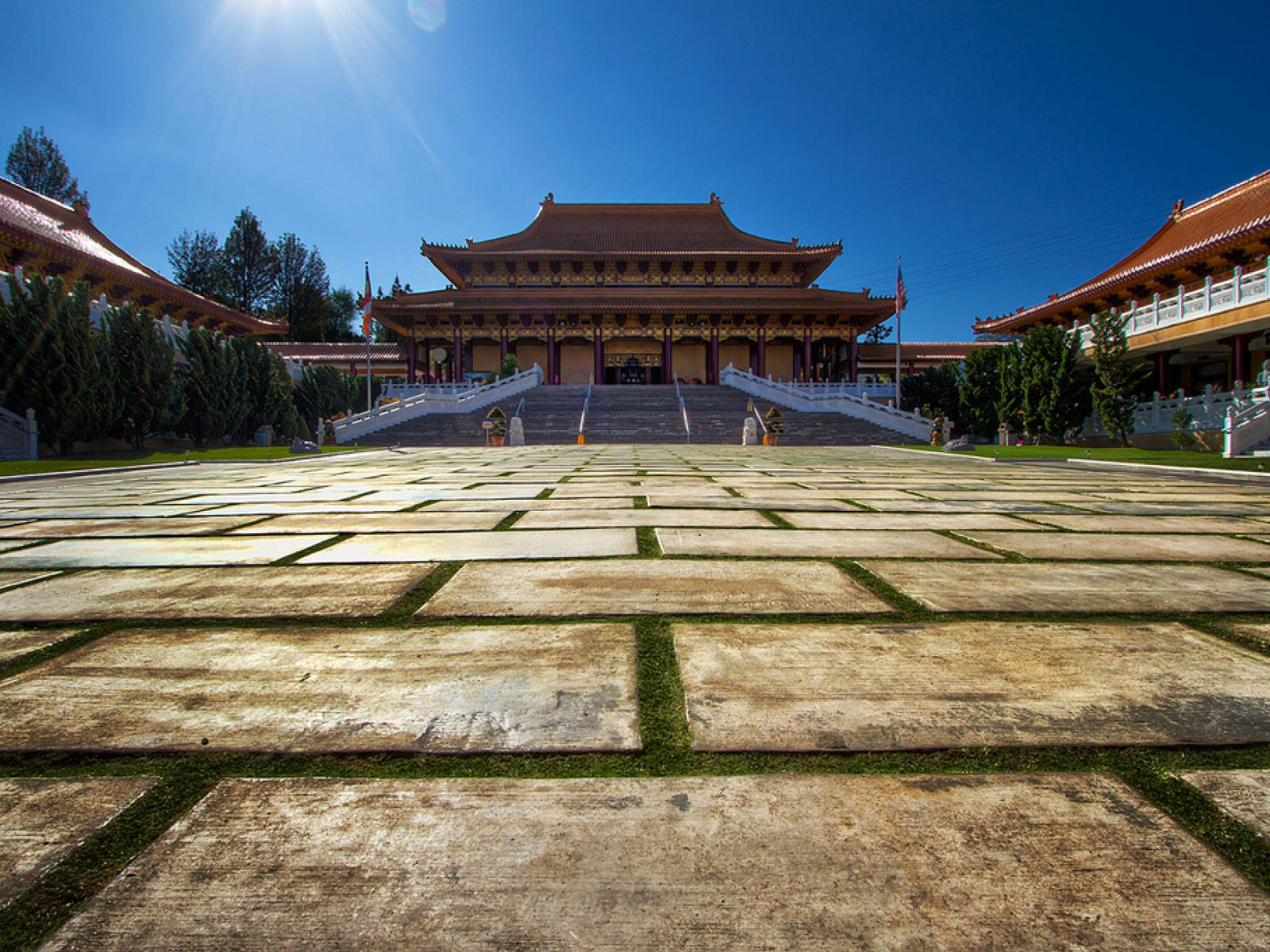 Main image for article titled 6月28日:HSI LAI TEMPLE