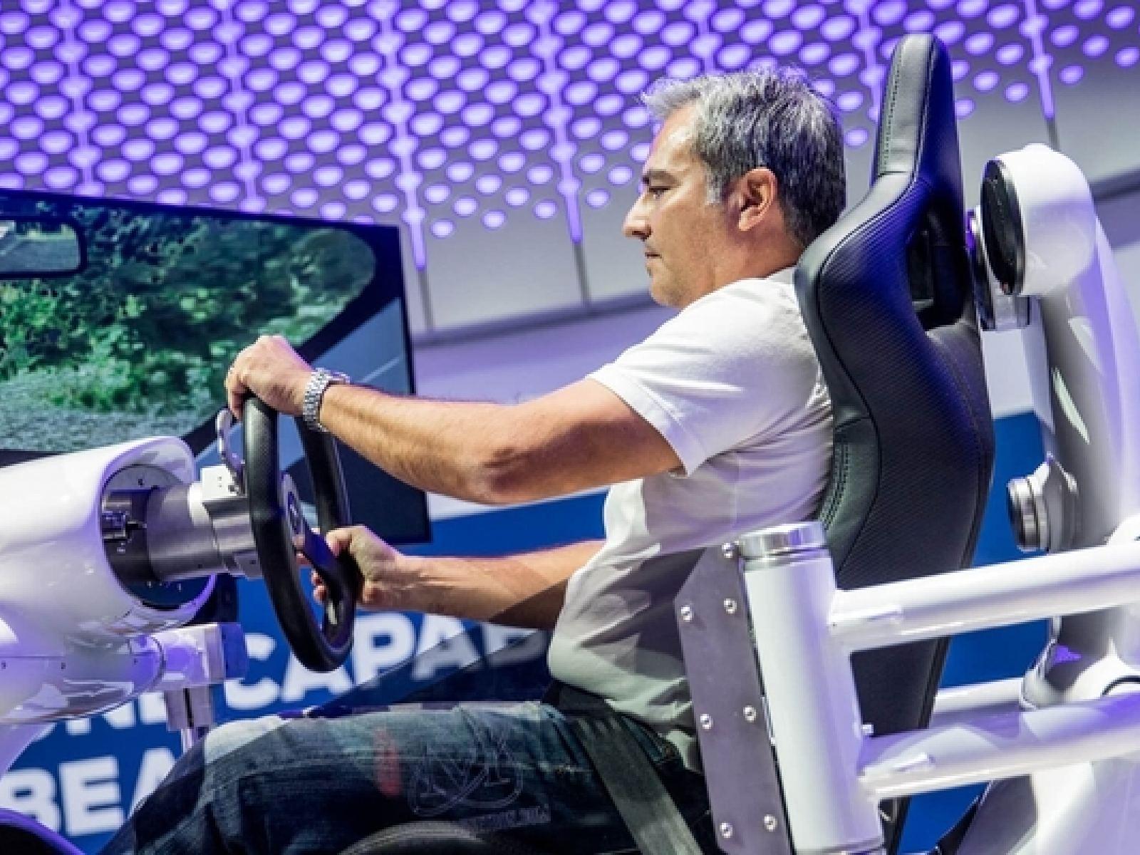 Main image for article titled Lo Que no te Puedes Perder en el 2018 LA Auto Show