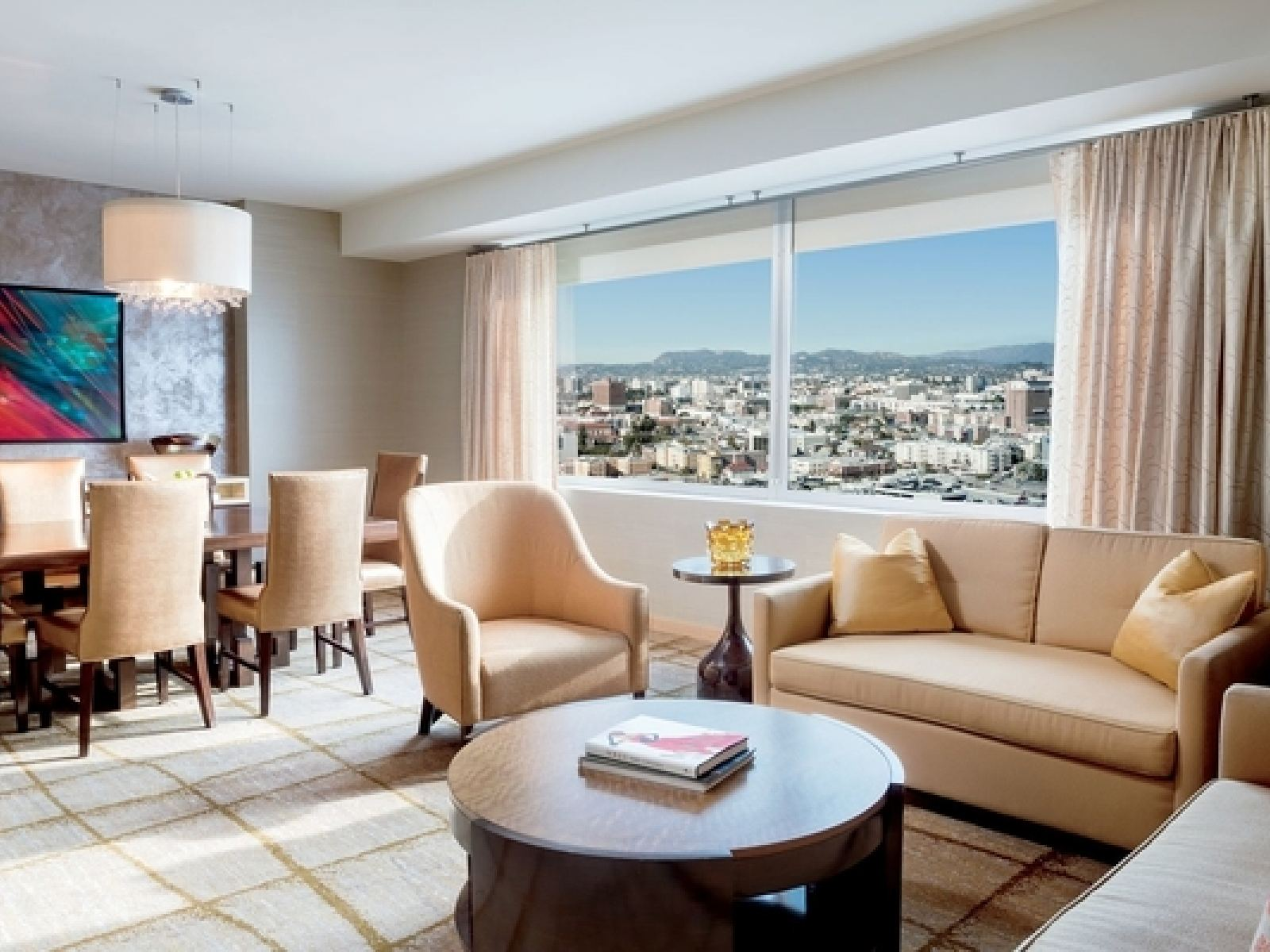 Main image for article titled Directo a la Cima en The Ritz-Carlton, Los Angeles