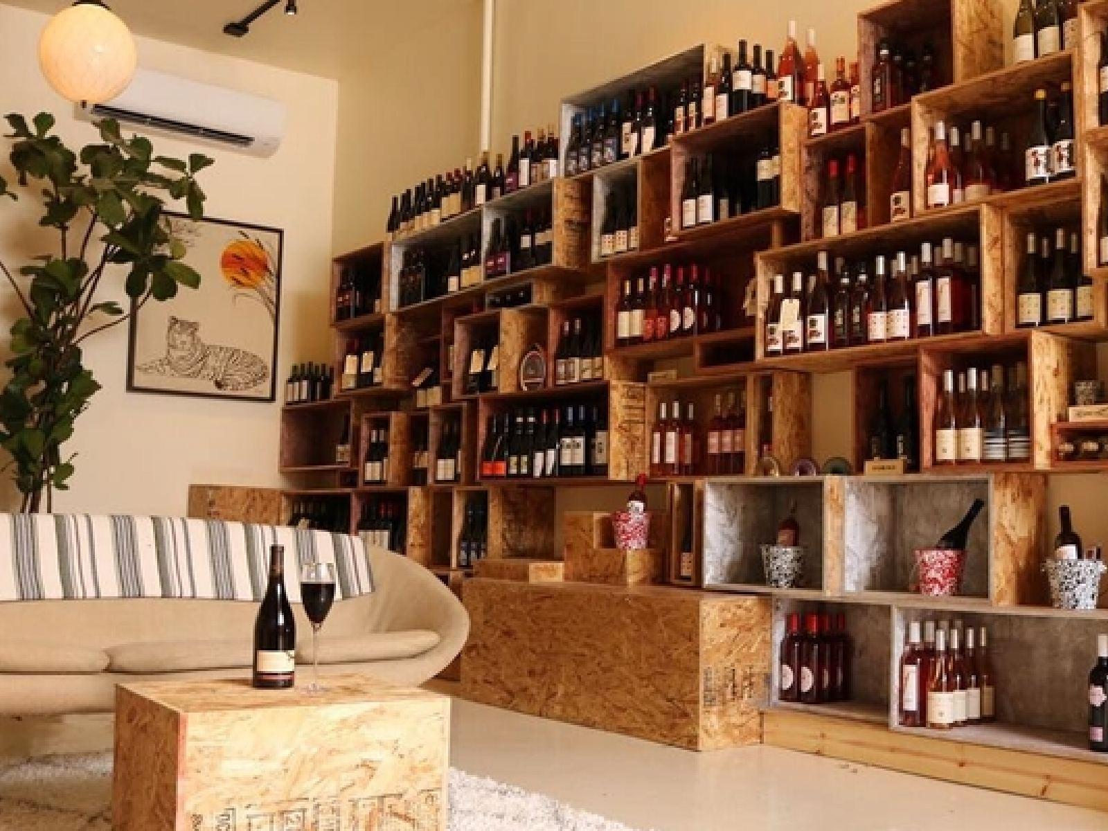Main image for guide titled Dégustations de vin chez les cavistes de L.A