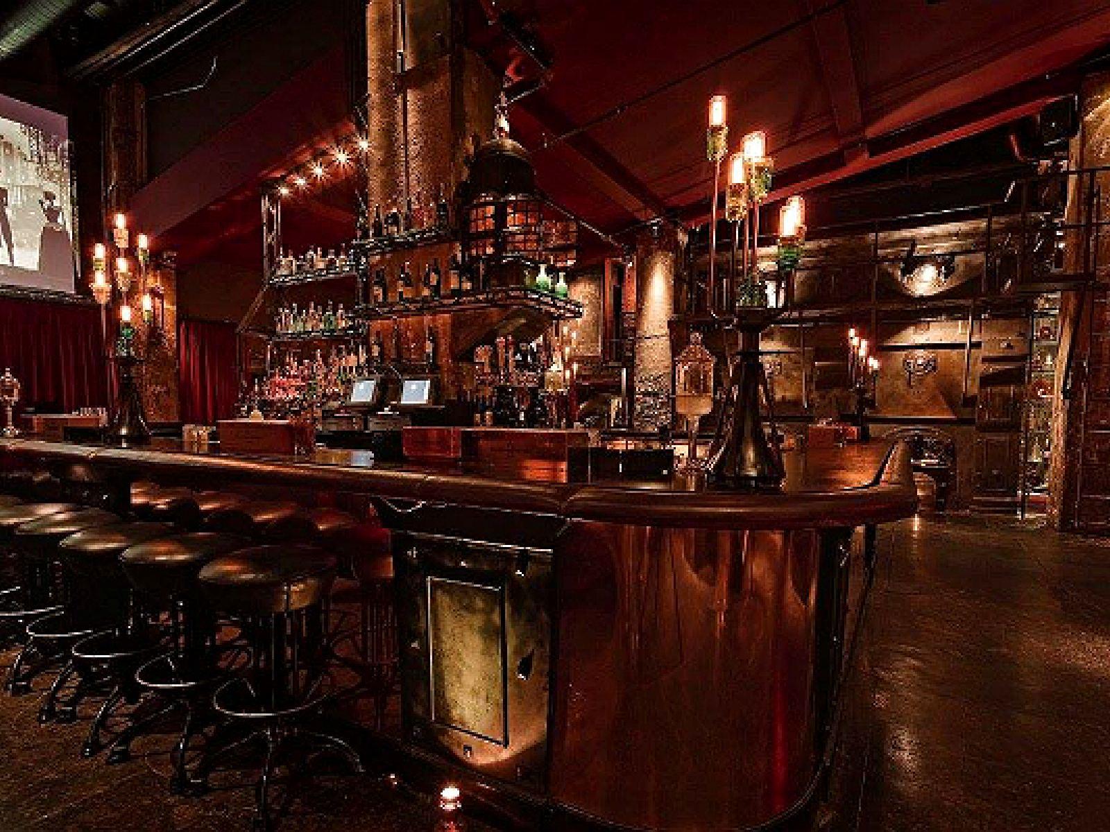 Main image for guide titled Descubre los Bares Escondidos en Los Ángeles