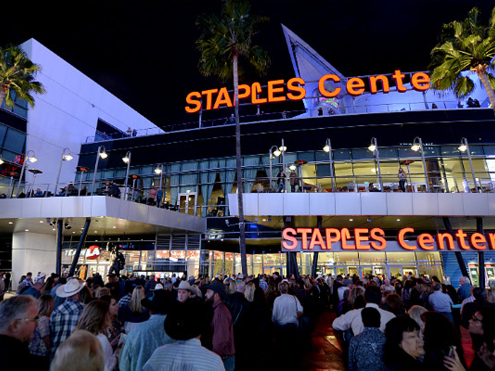 What Time Does Staples Open Today >> The Greatest Moments In Staples Center History Discover Los Angeles