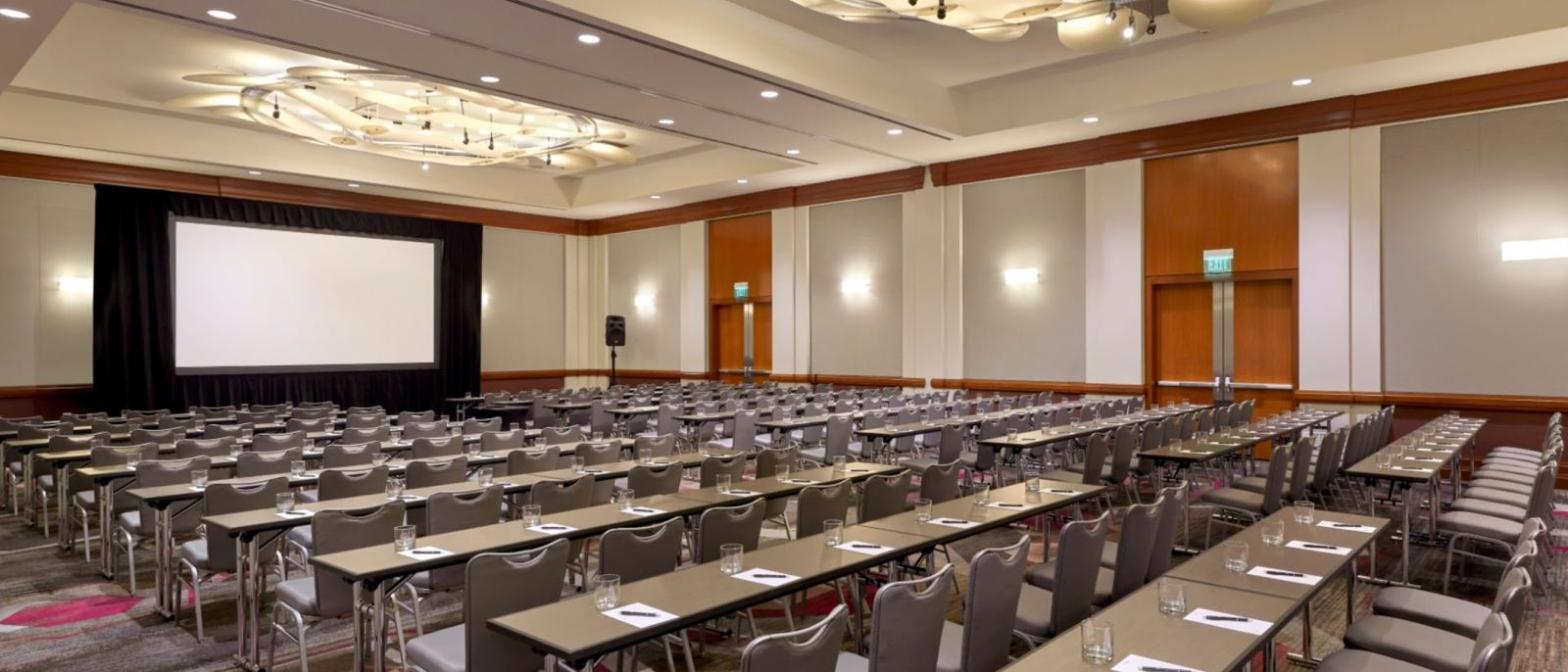 LATCB-Photo-5--Ballroom-1920x1440-