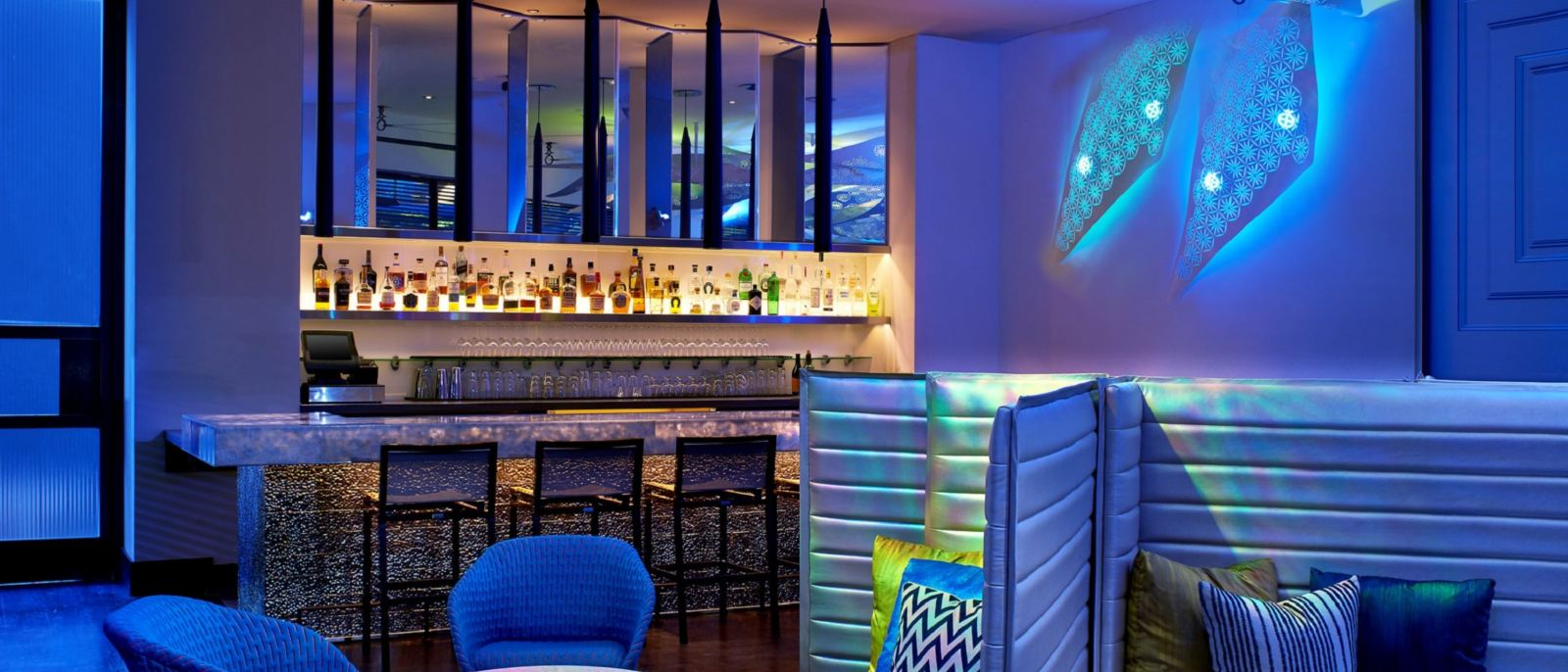Living-Room-Bar-LA-
