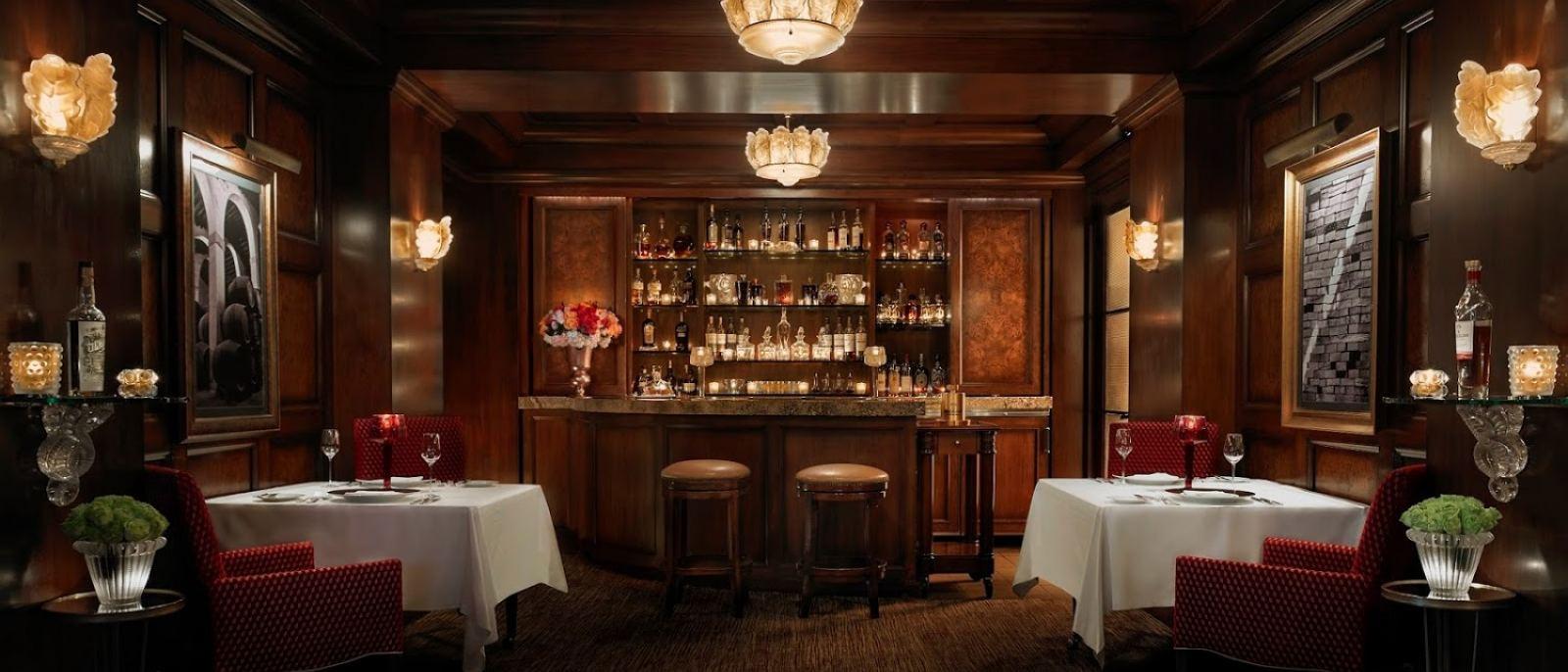 Ten Pound Bar Lounge