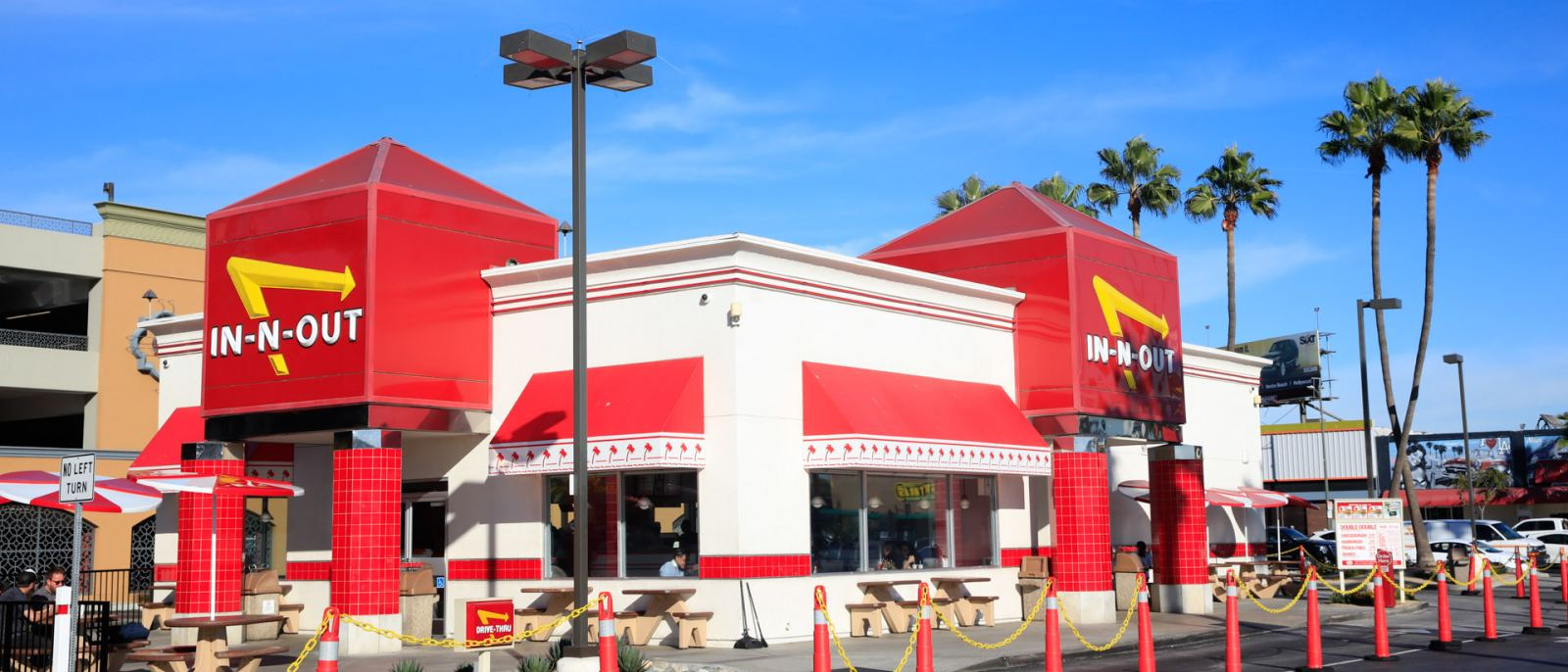 in-n-out-LAX-exterior