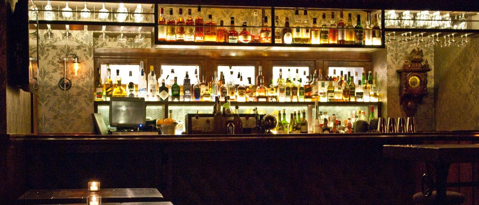 1886 Bar at The Raymond in Pasadena
