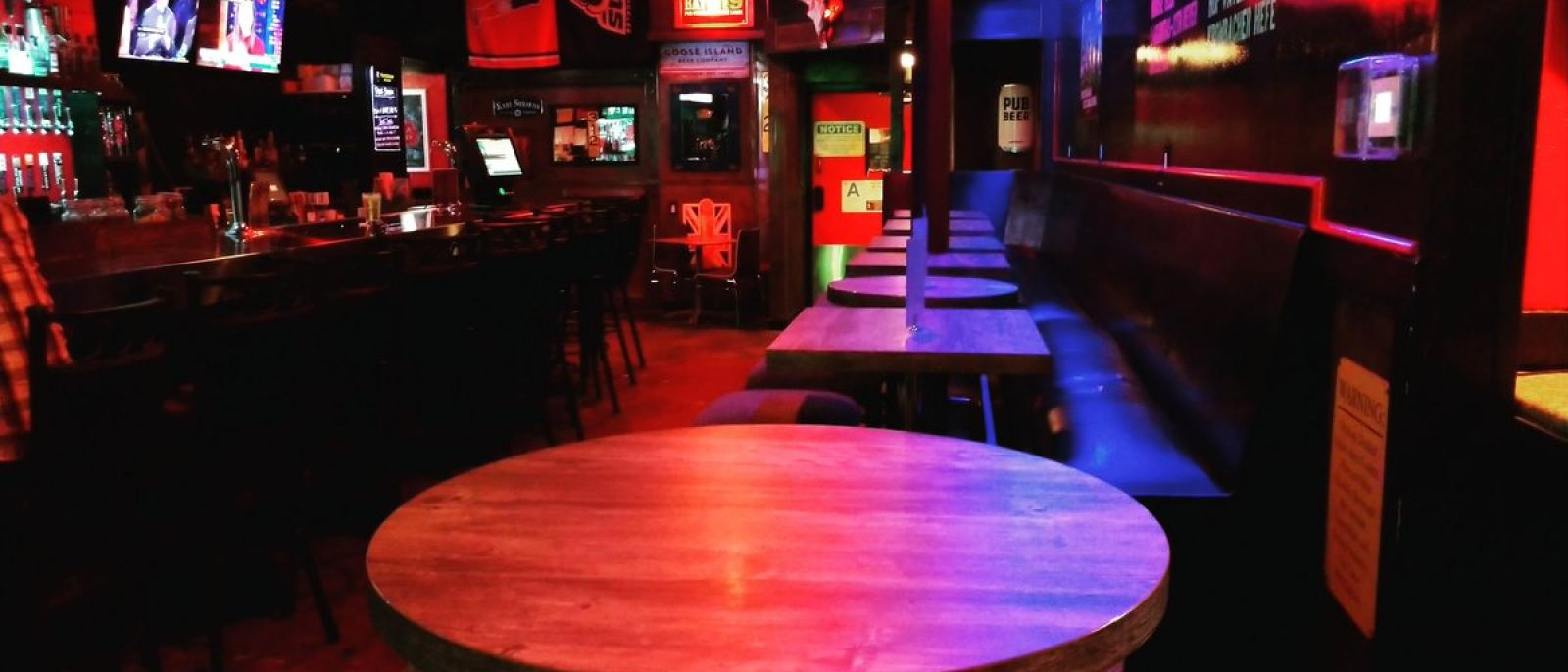Dirty Bull Tavern in Woodland Hills