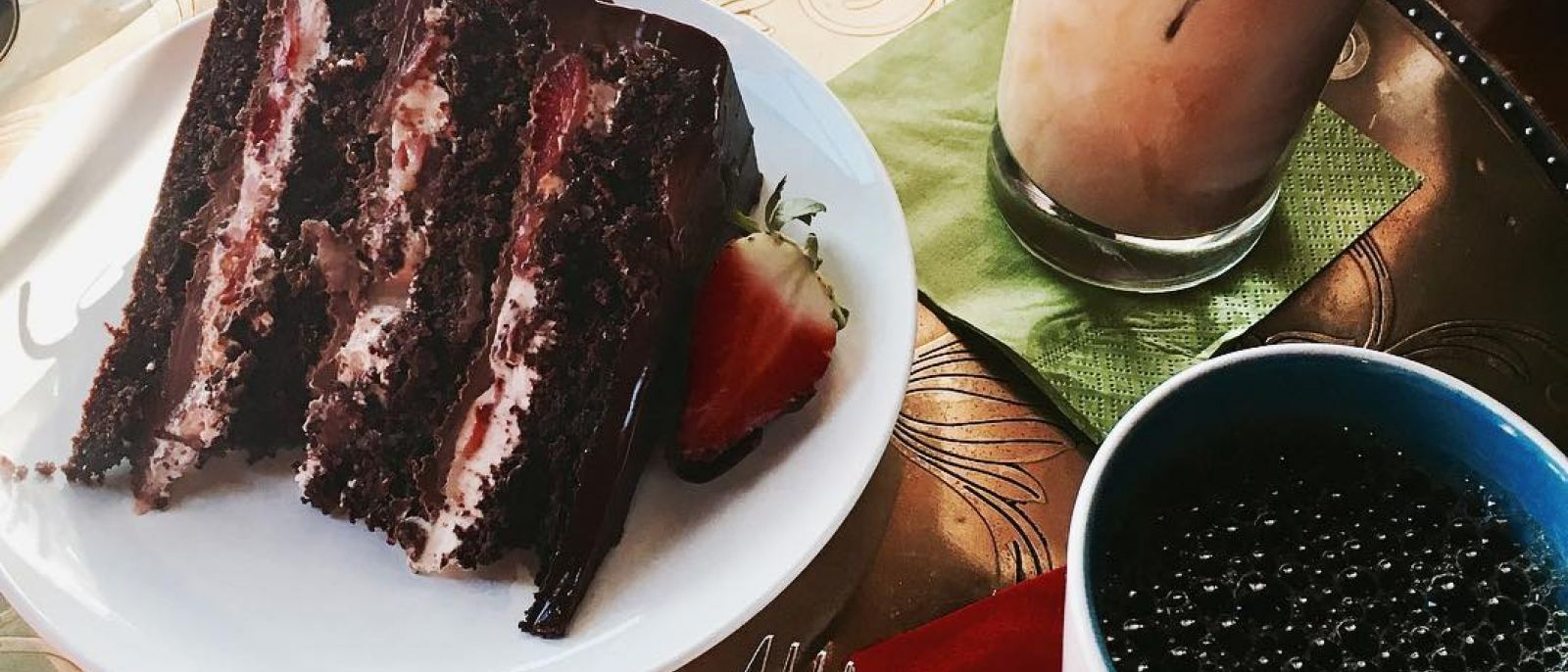 Chocolate strawberry cake at Loft Cafe | Instagram by @gina.y.kang