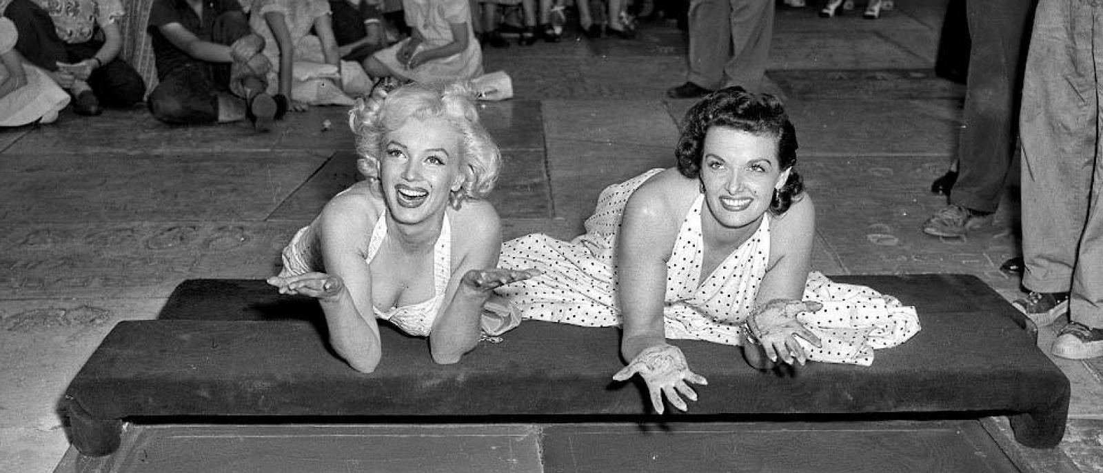 Marilyn Monroe and Jane Russell at Grauman's Chinese Theatre (1953)