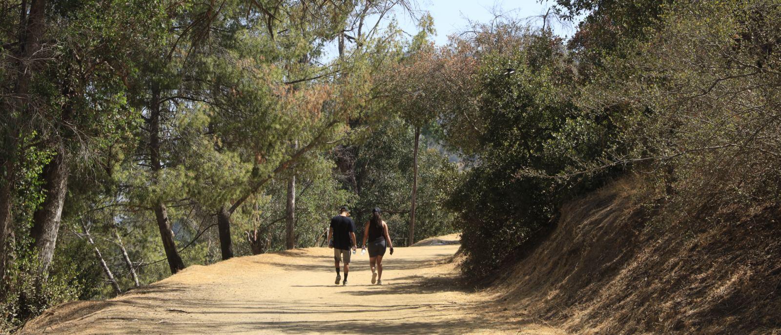 Griffith Park Couples Hike | Photo: Yuri Hasegawa