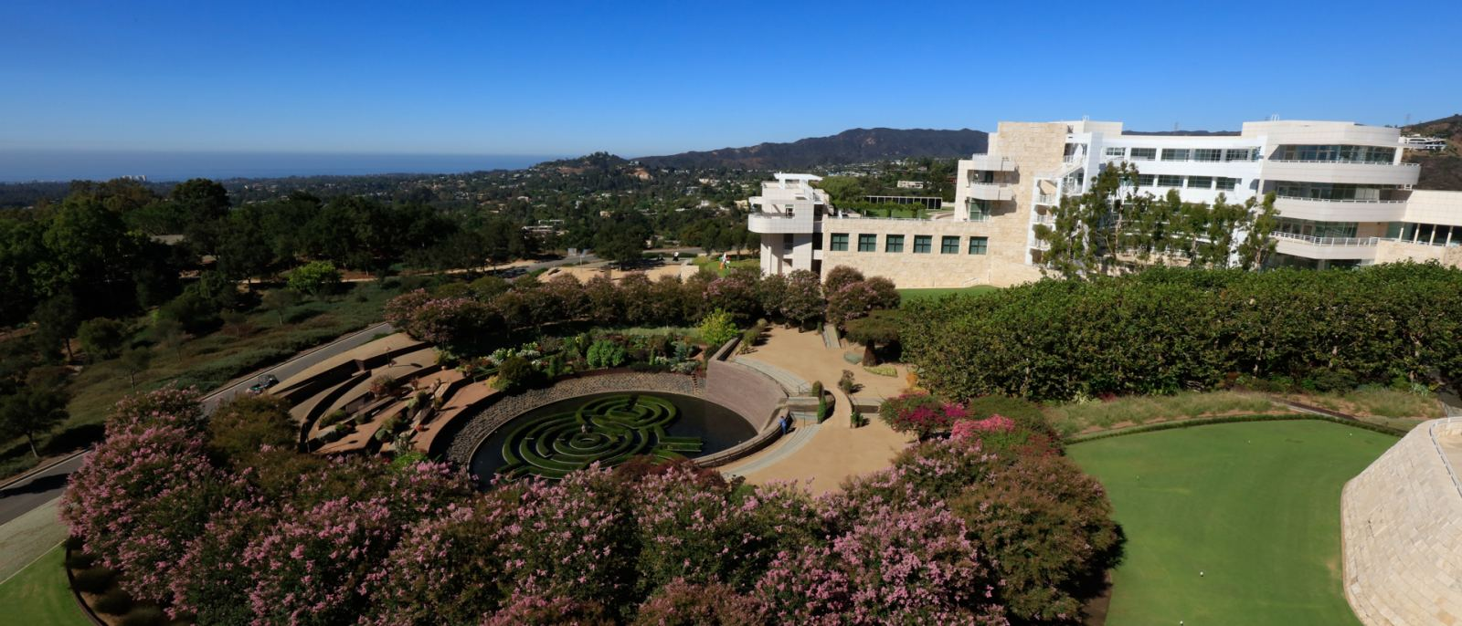 Views of the Central Garden and Pacific Ocean at the Getty Center   |  Photo: Yuri Hasegawa