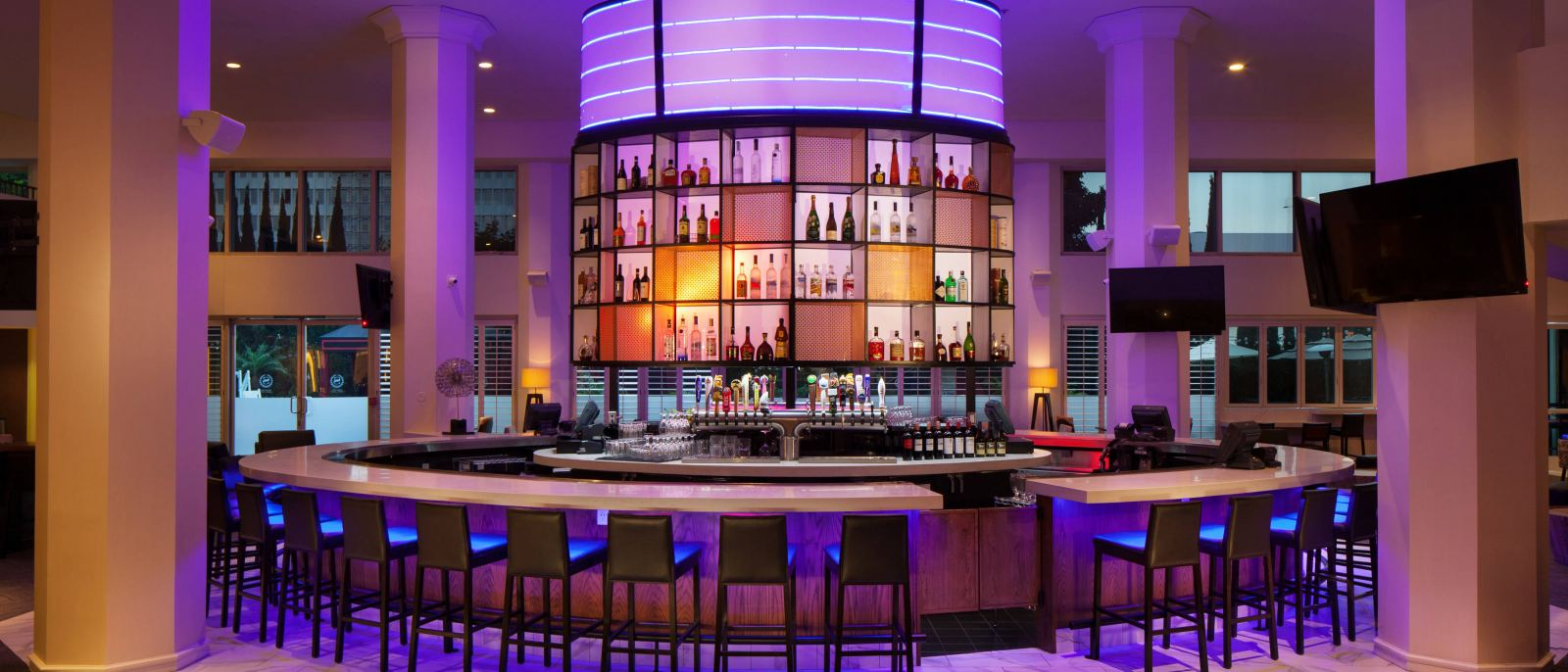Costero Bar | Photo: Sheraton Gateway Los Angeles Hotel