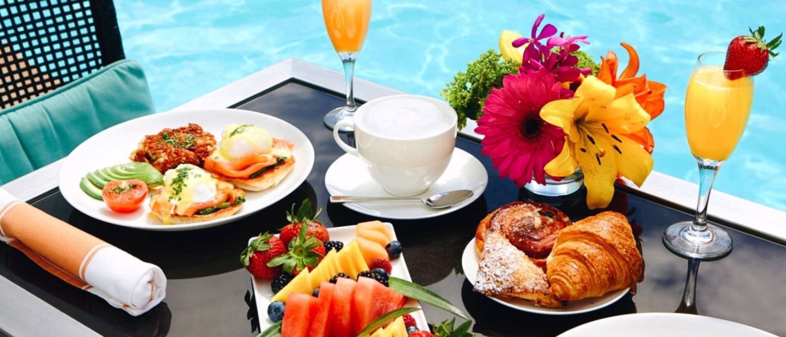 Poolside brunch at CIRCA 55 in The Beverly Hilton