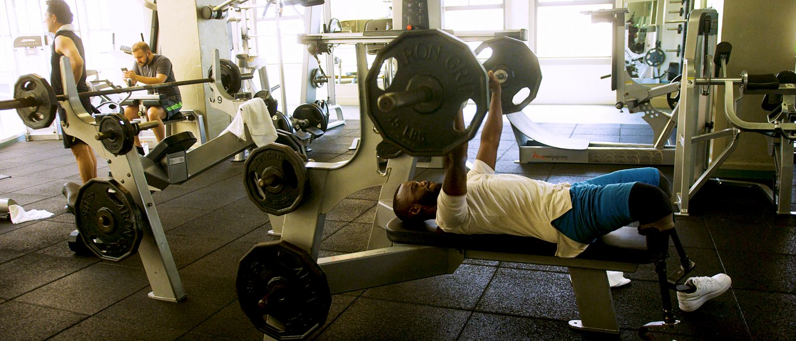 Blake Leeper lifting weights at Los Angeles Athletic Club