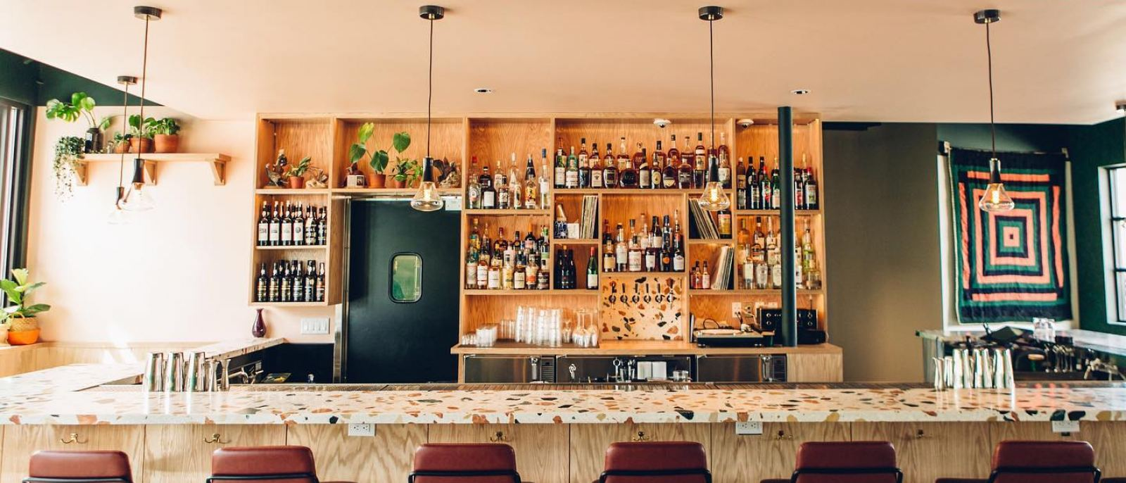 Thunderbolt bar and lounge in Historic Filipinotown