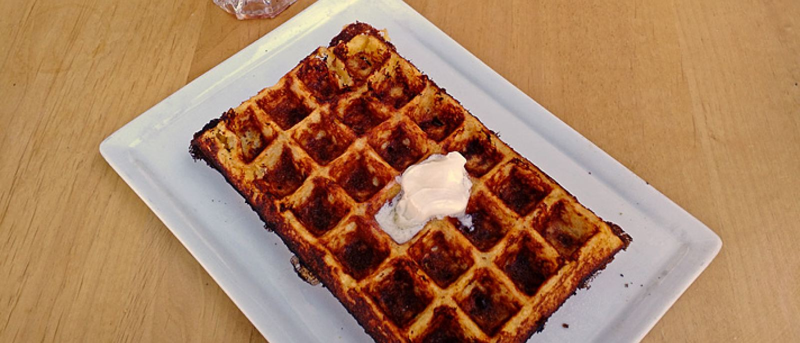 Cornmeal cheddar waffle en Go Get Em Tiger