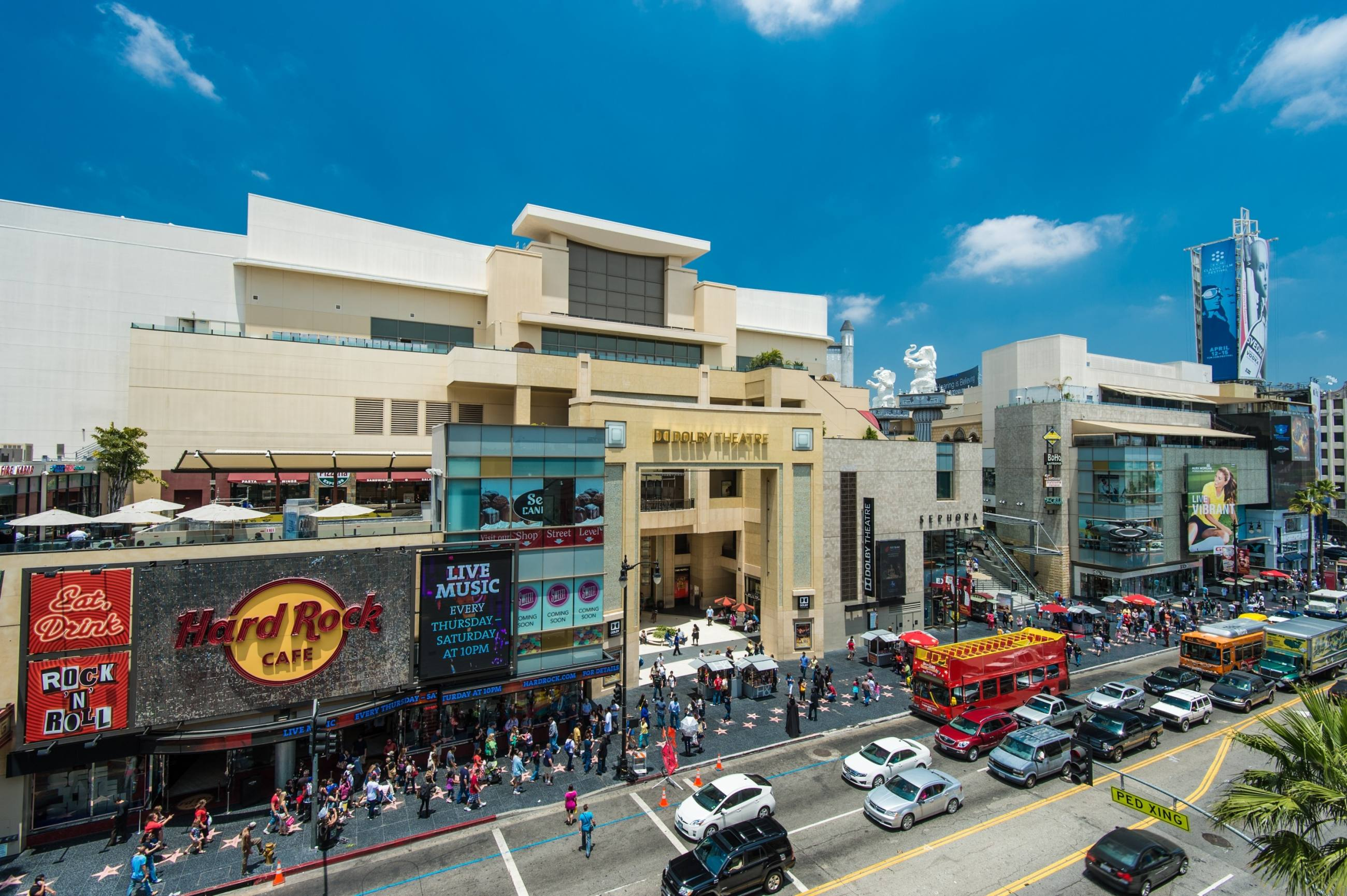 Hollywood & Highland from Hollywood Blvd/Walk of Fame