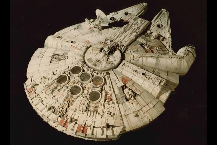 millennium-falcon-model