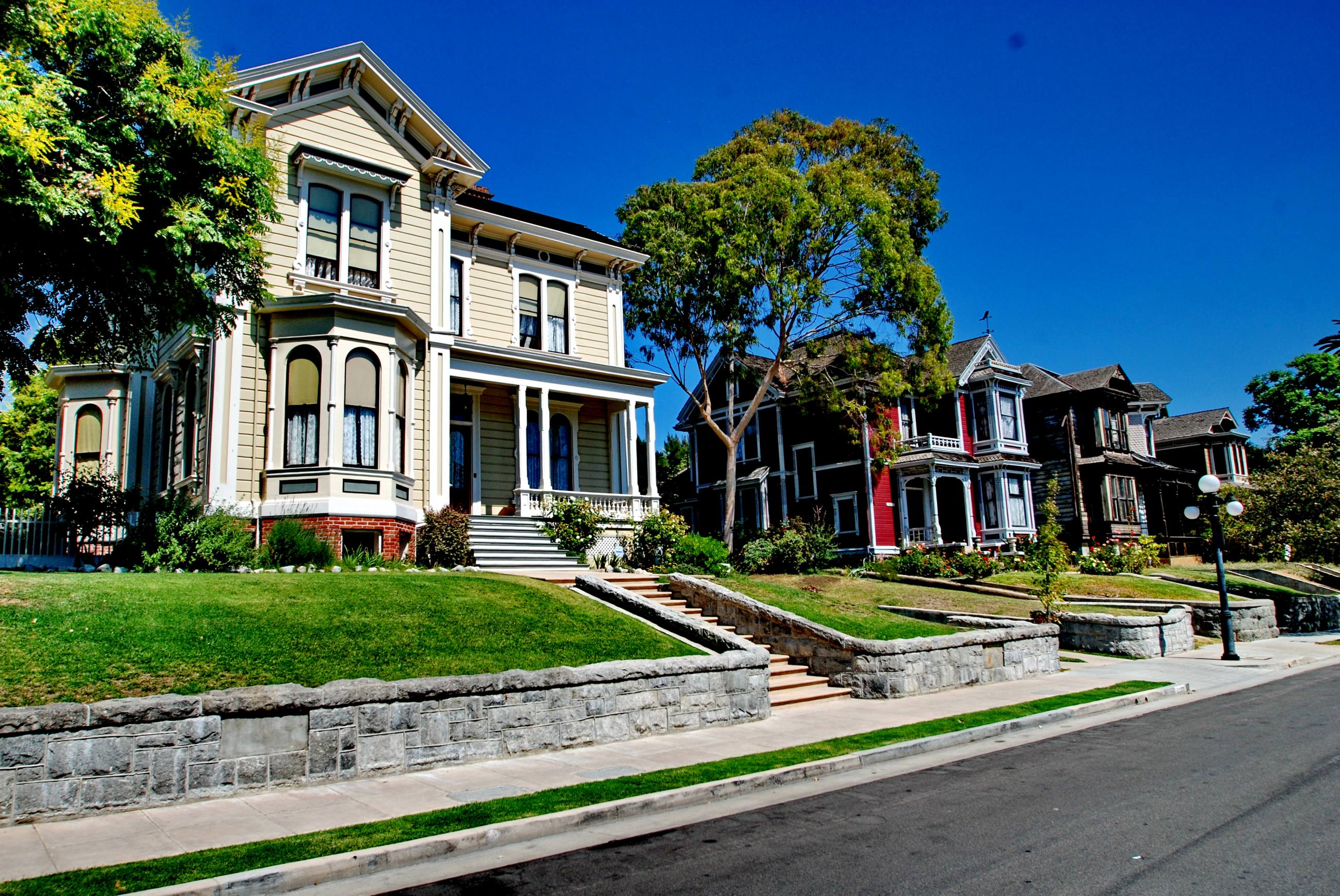 Victorian manors on Carroll Avenue