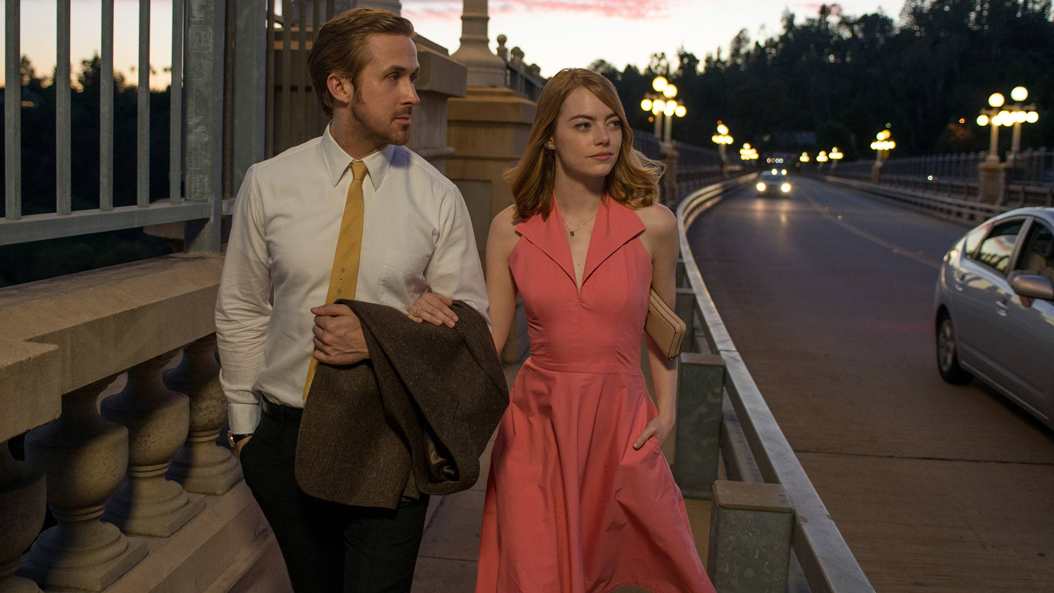 "Ryan Gosling and Emma Stone stroll the Colorado Street Bridge in ""La La Land"""