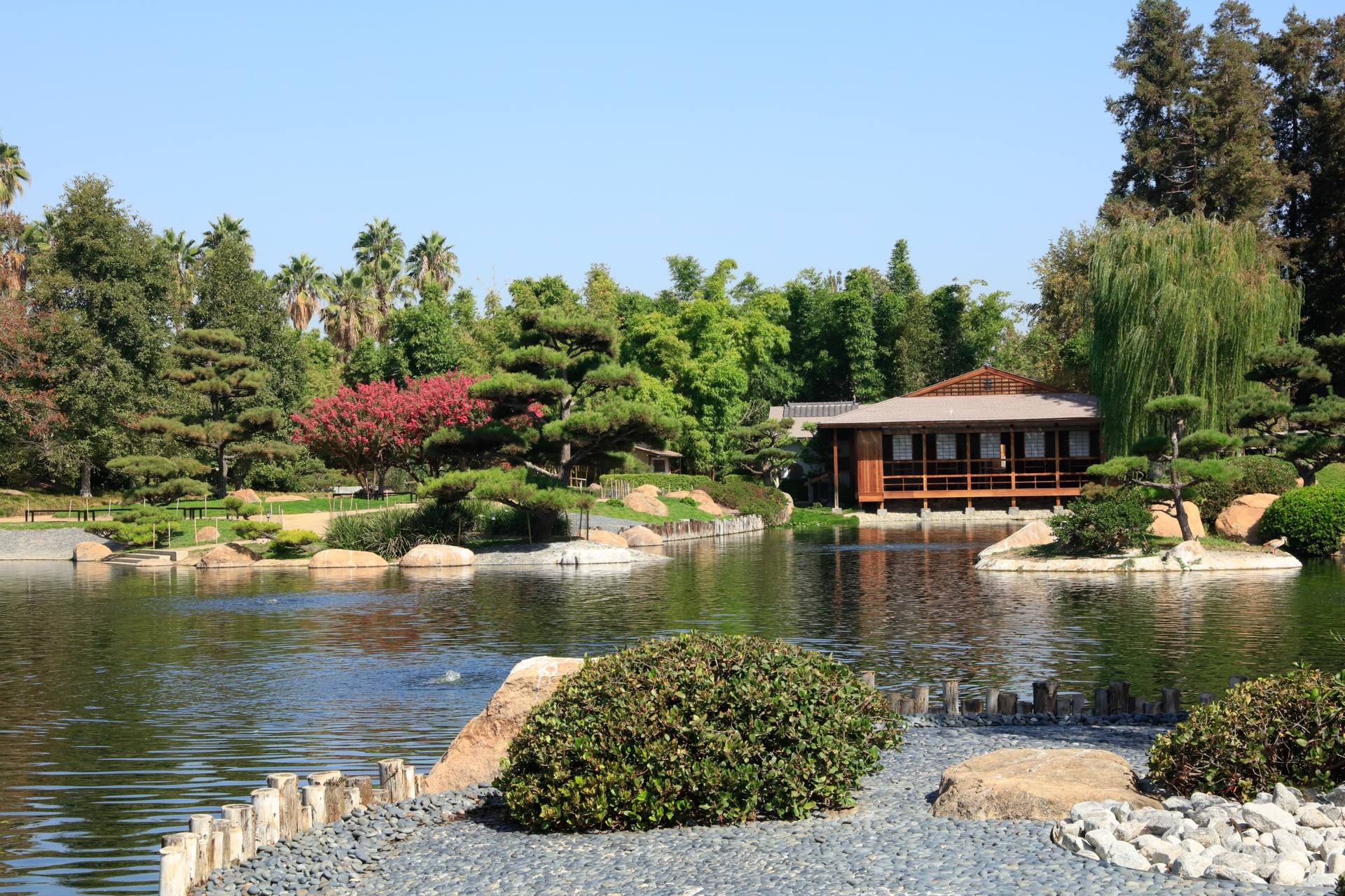 "SuihoEn (""Garden of Water and Fragrance"") in Van Nuys"