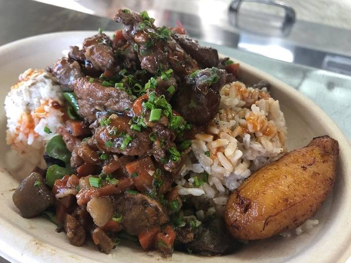 Brown Stew Chicken at Grilled Fraiche | Instagram by @grilledfraiche