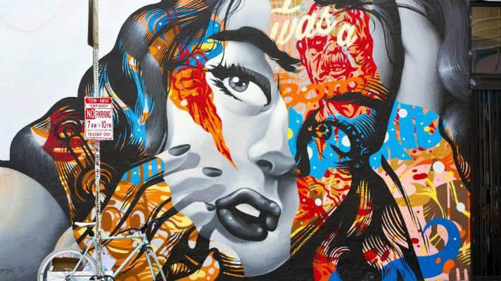 """""""I Was a Botox Junkie"""" en el Distrito de las Artes"""