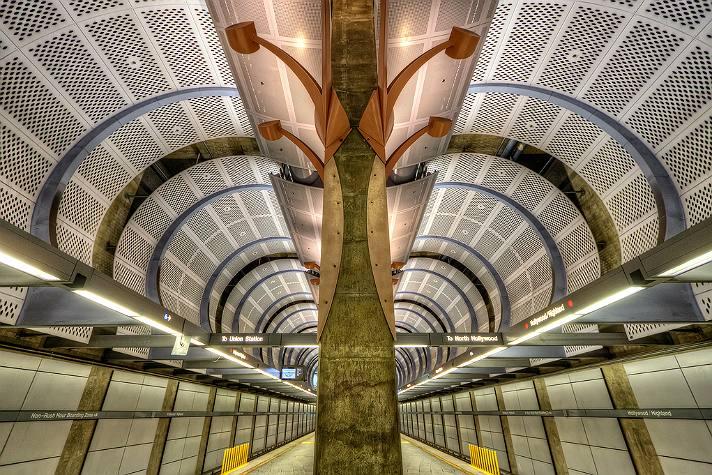Metro Rail estación Hollywood & Higland