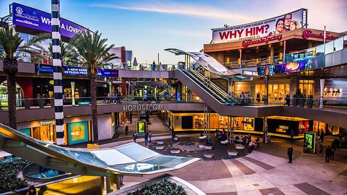 Santa Monica mall