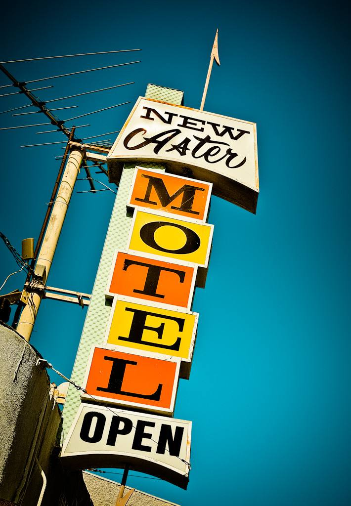 New Aster Motel Sign